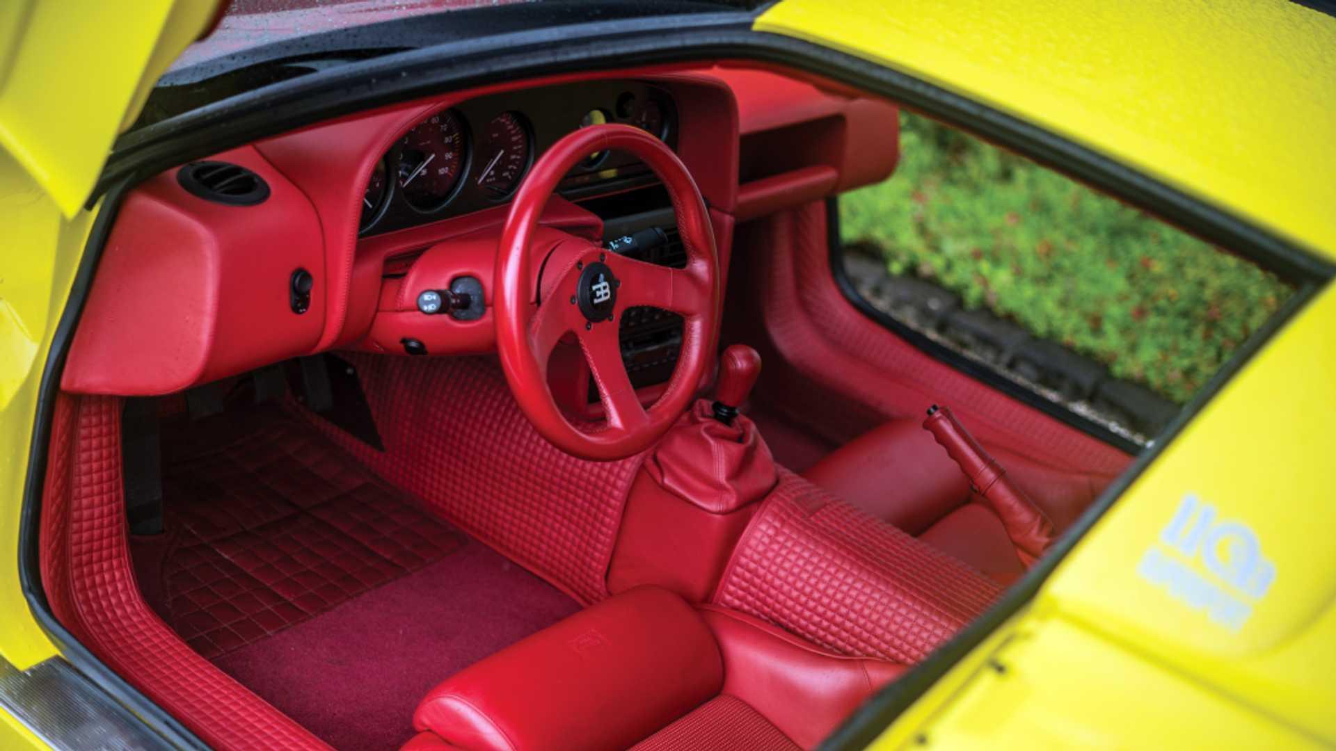 Bugatti_EB110_SS_sale_0011