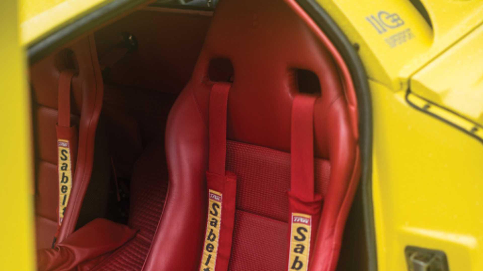 Bugatti_EB110_SS_sale_0013