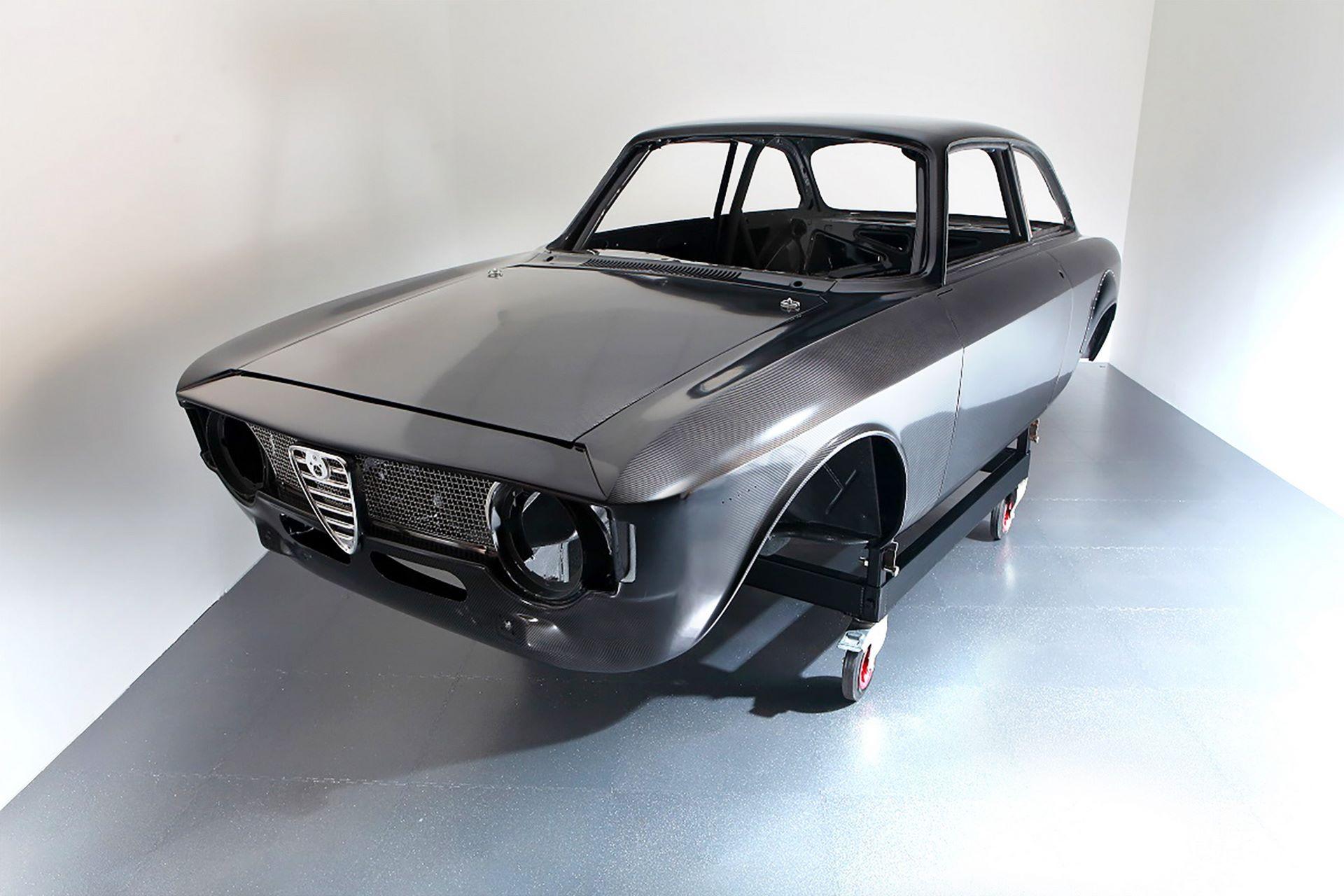 Carbon-Alfa-Romeo-Giulia-by-Alfaholics-2