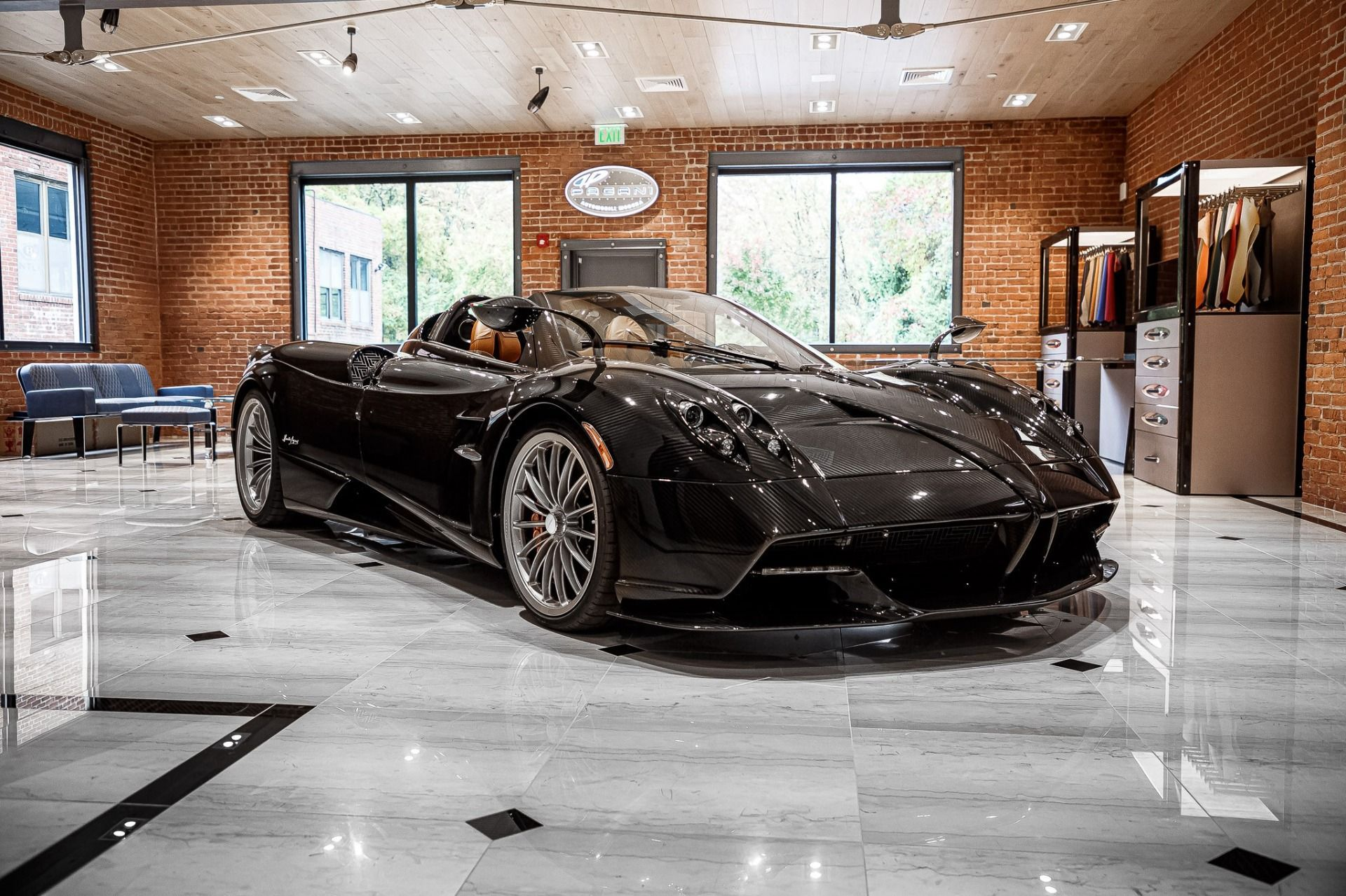 Carbon_Pagani_Huayra_Roadster_sale_0002