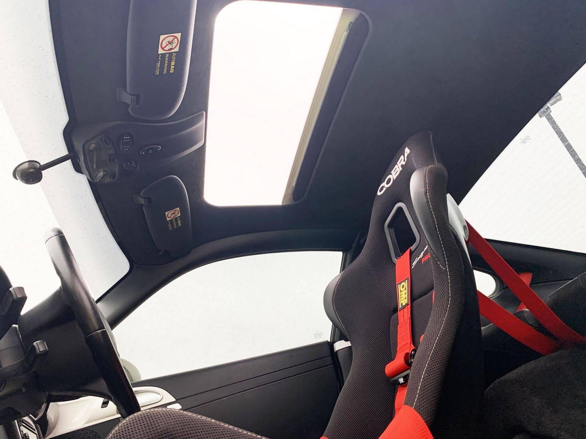 Center-Seat-Porsche-911-Carrera-S-2008-11