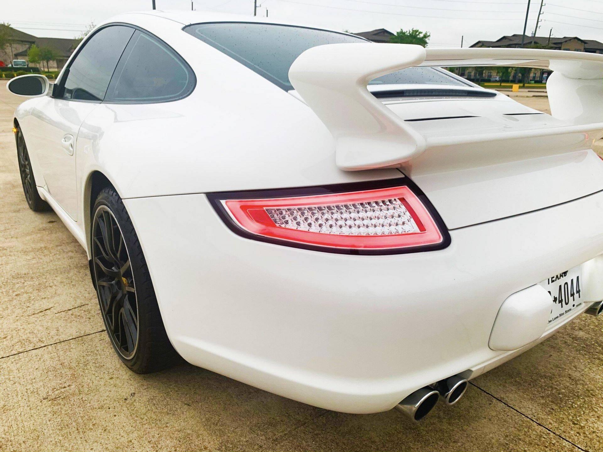 Center-Seat-Porsche-911-Carrera-S-2008-2