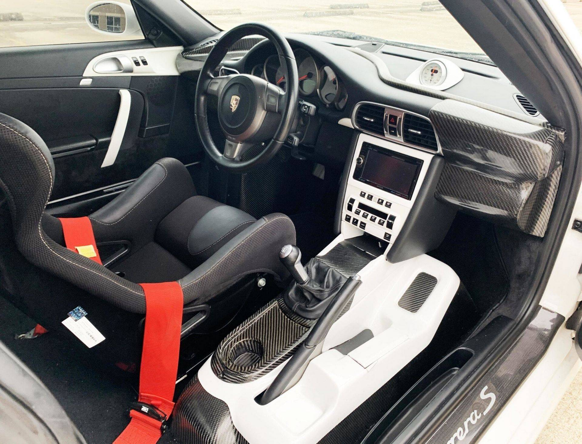 Center-Seat-Porsche-911-Carrera-S-2008-27