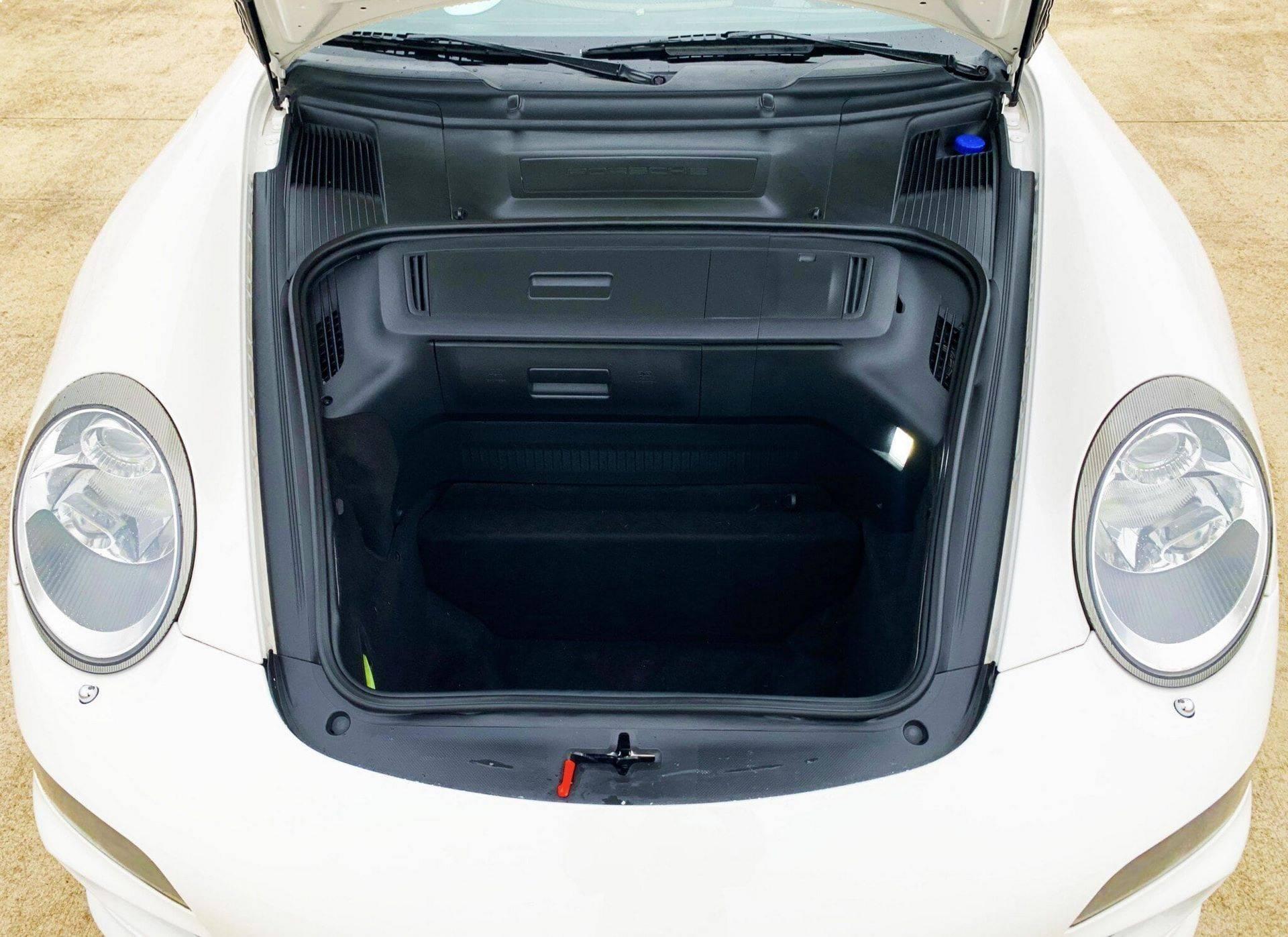 Center-Seat-Porsche-911-Carrera-S-2008-8