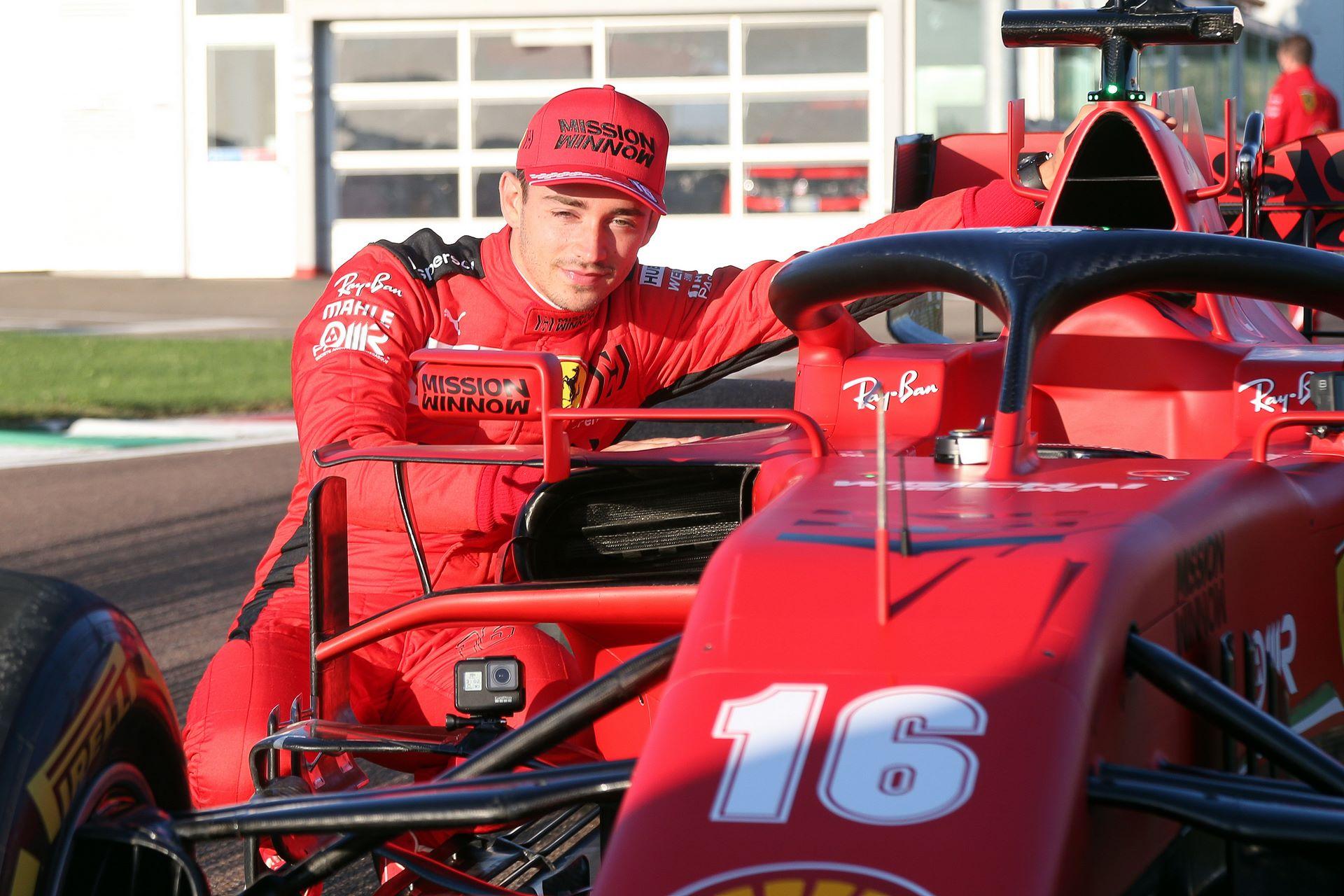 Charles-Leclerc-Ferrari-SF1000-f1-street-demo-maranello-2