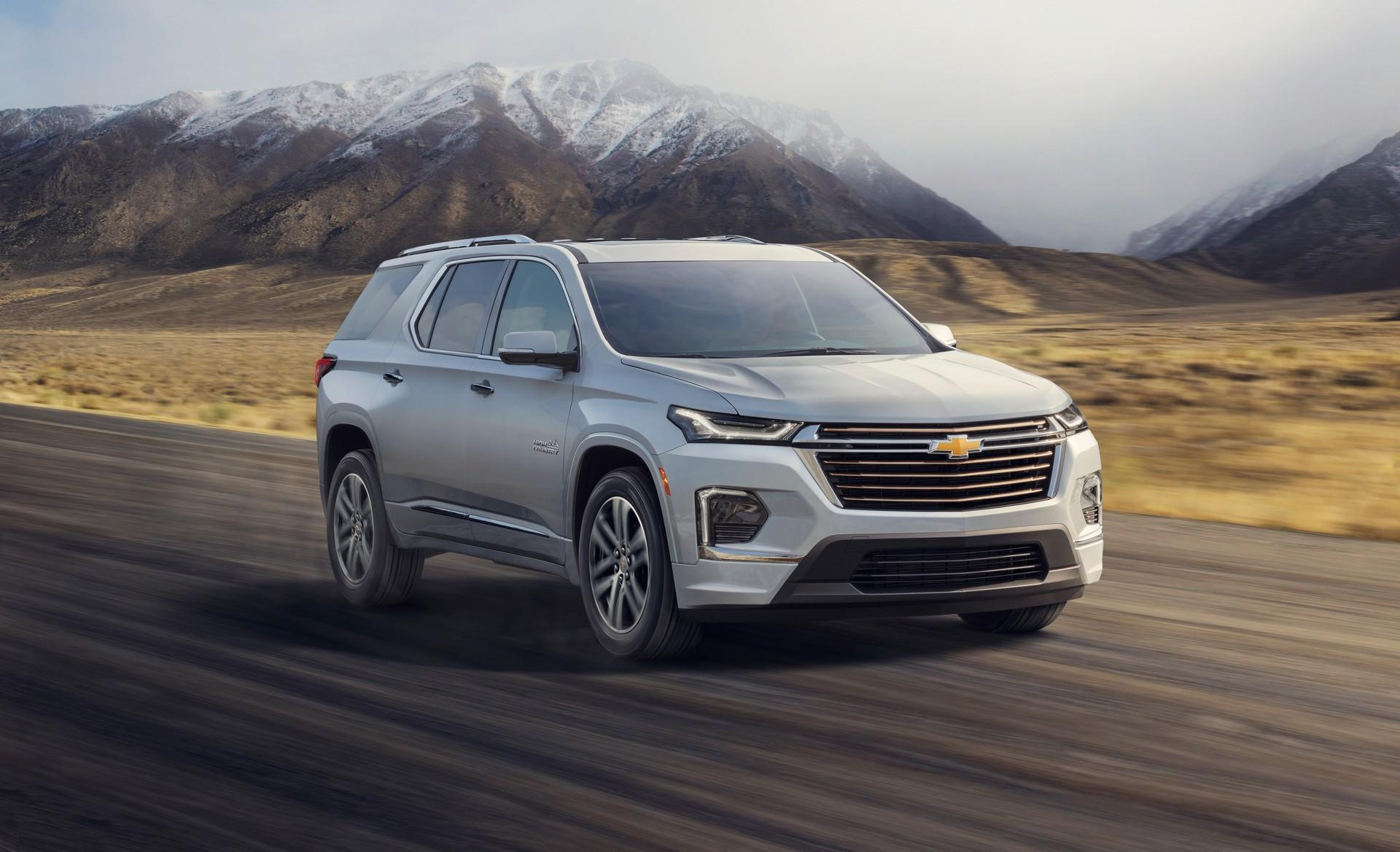 2021-Chevrolet-Traverse-1