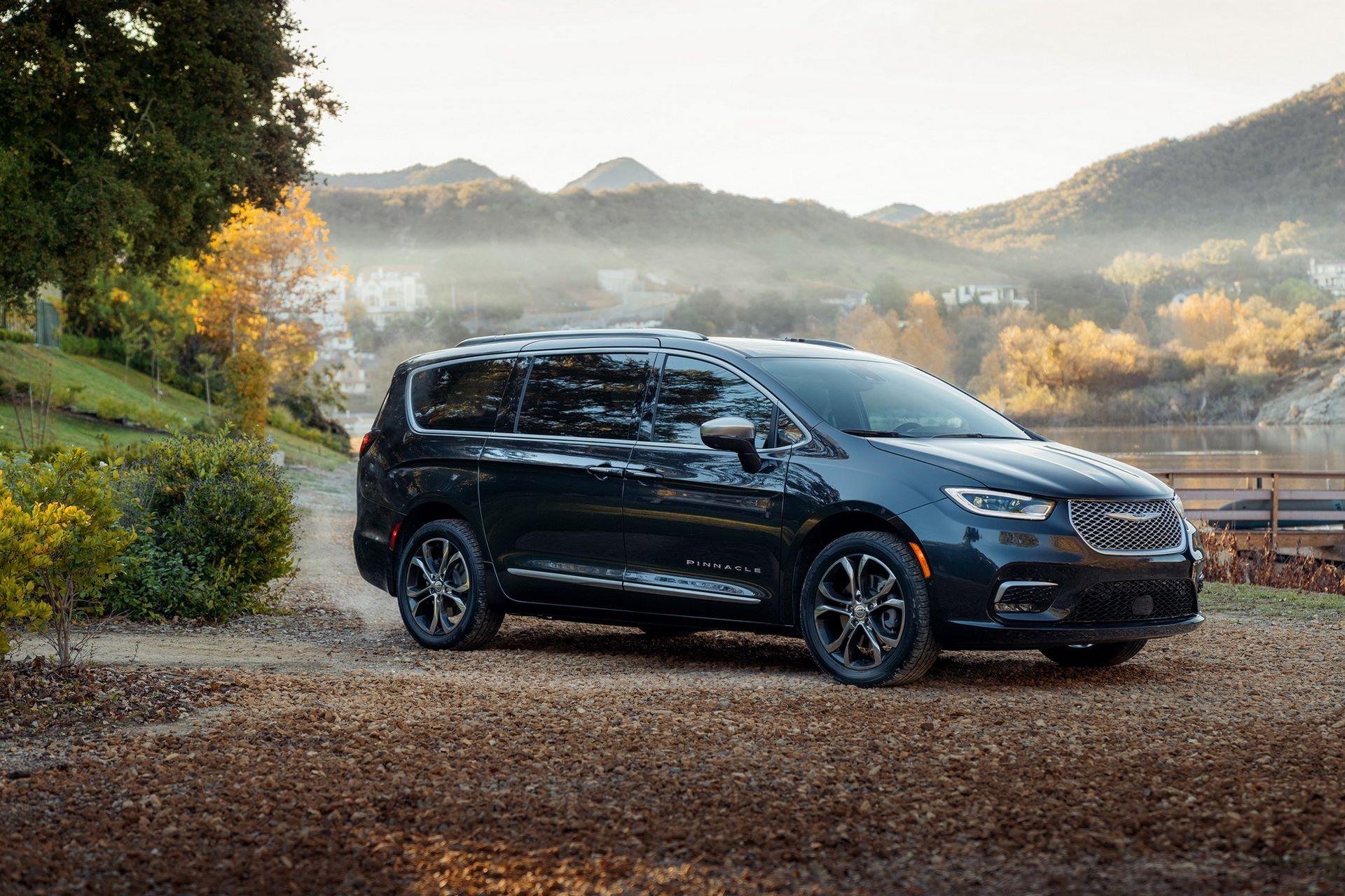 2021-Chrysler-Pacifica-1