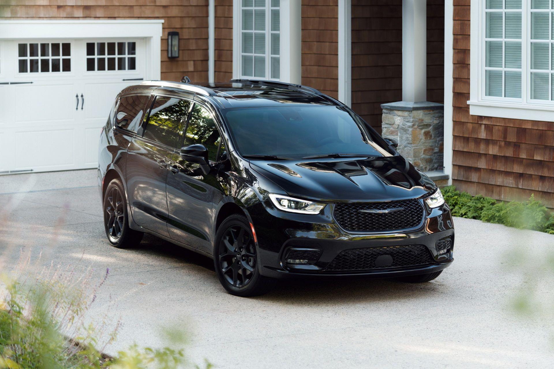 2021-Chrysler-Pacifica-103