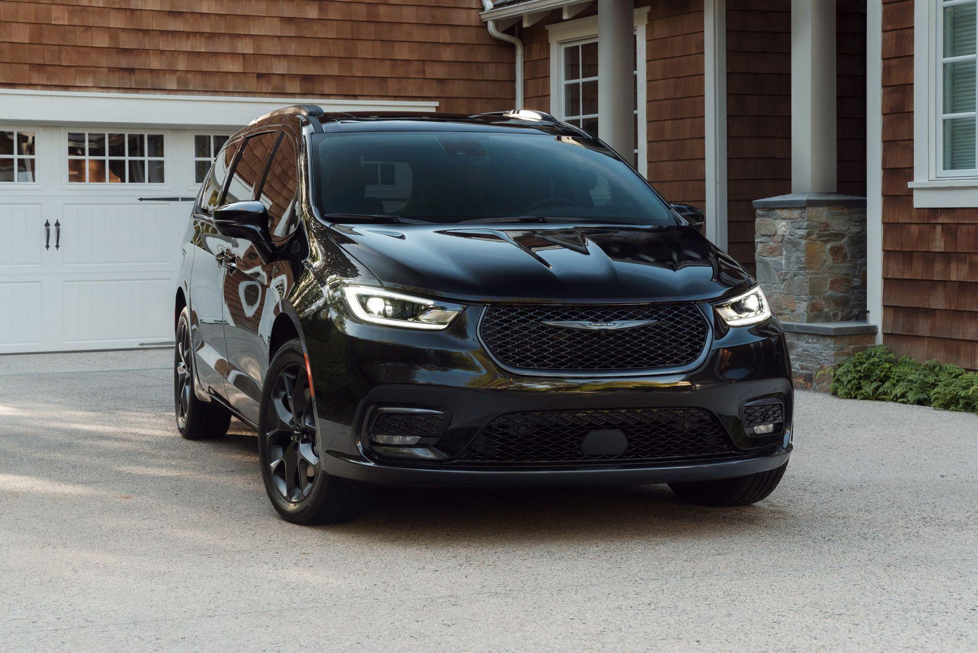 2021-Chrysler-Pacifica-104