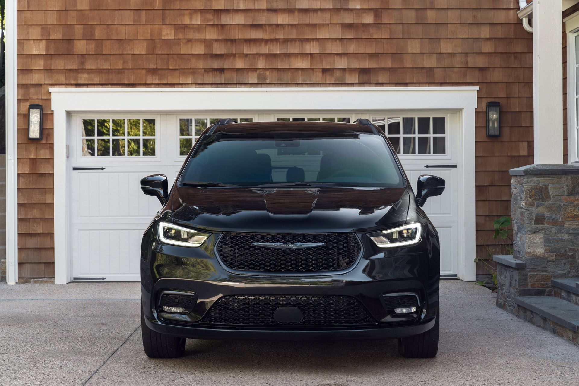 2021-Chrysler-Pacifica-107