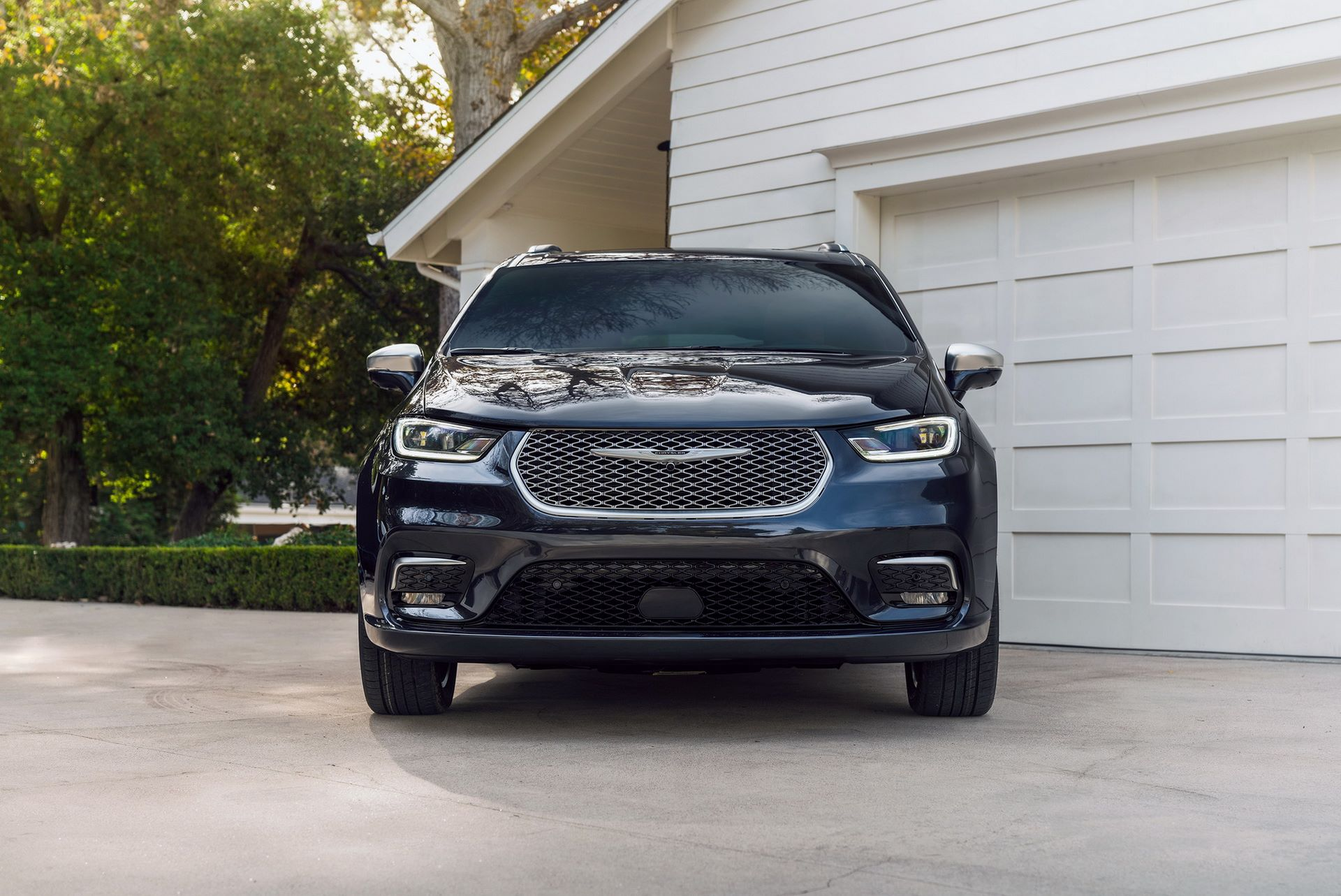 2021-Chrysler-Pacifica-11