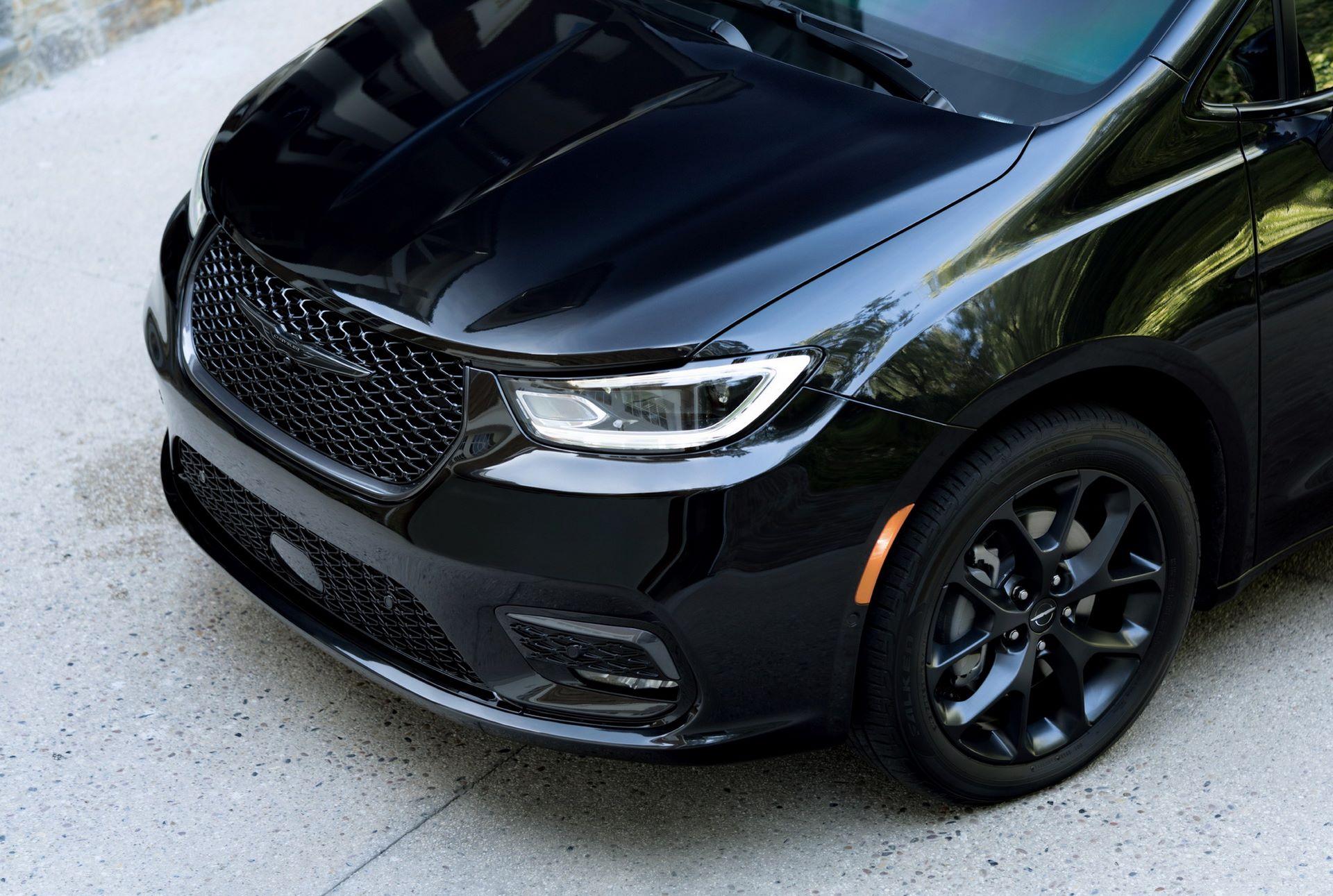 2021-Chrysler-Pacifica-123