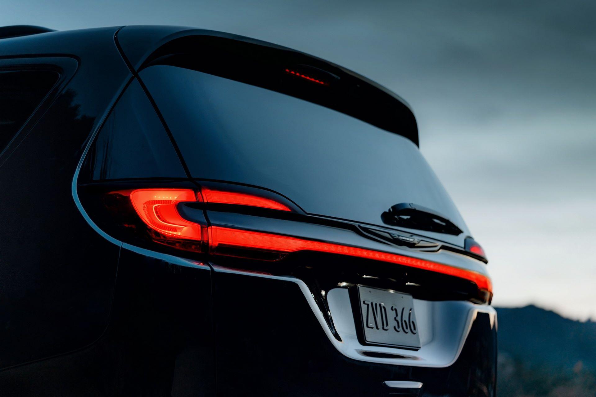 2021-Chrysler-Pacifica-126