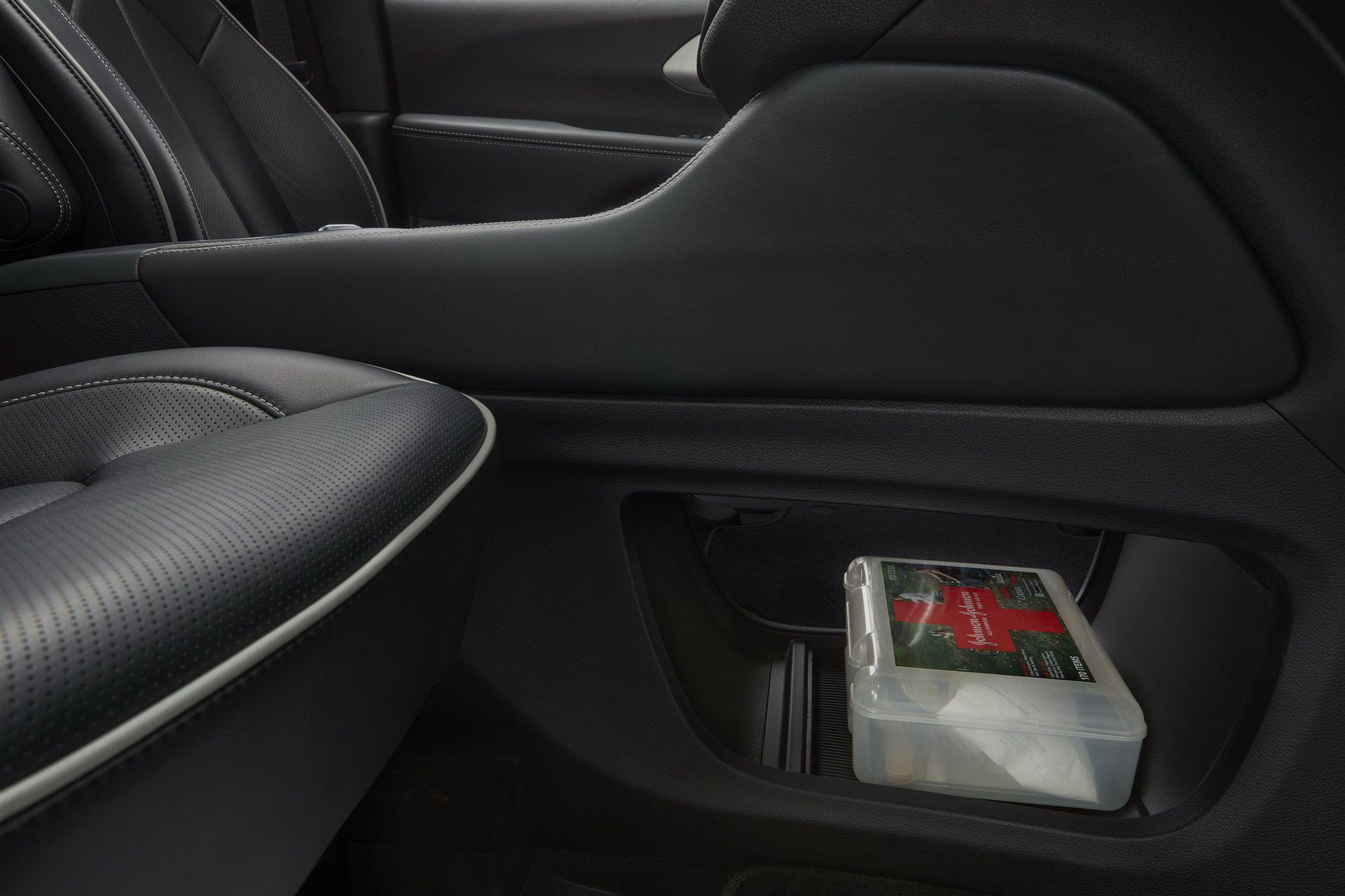 2021-Chrysler-Pacifica-136