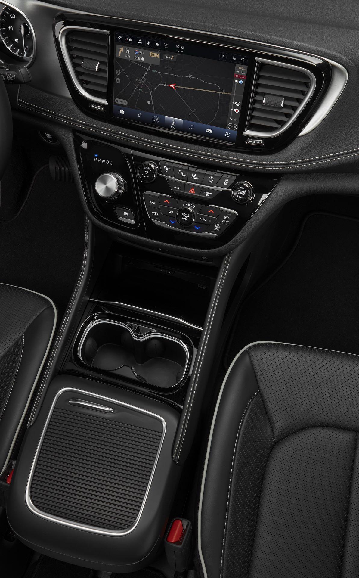 2021-Chrysler-Pacifica-140