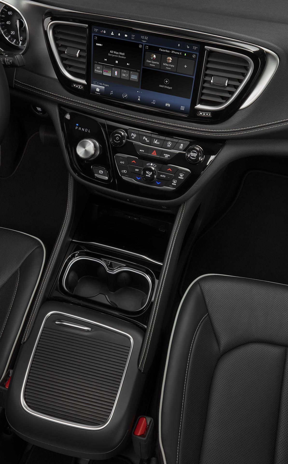 2021-Chrysler-Pacifica-141