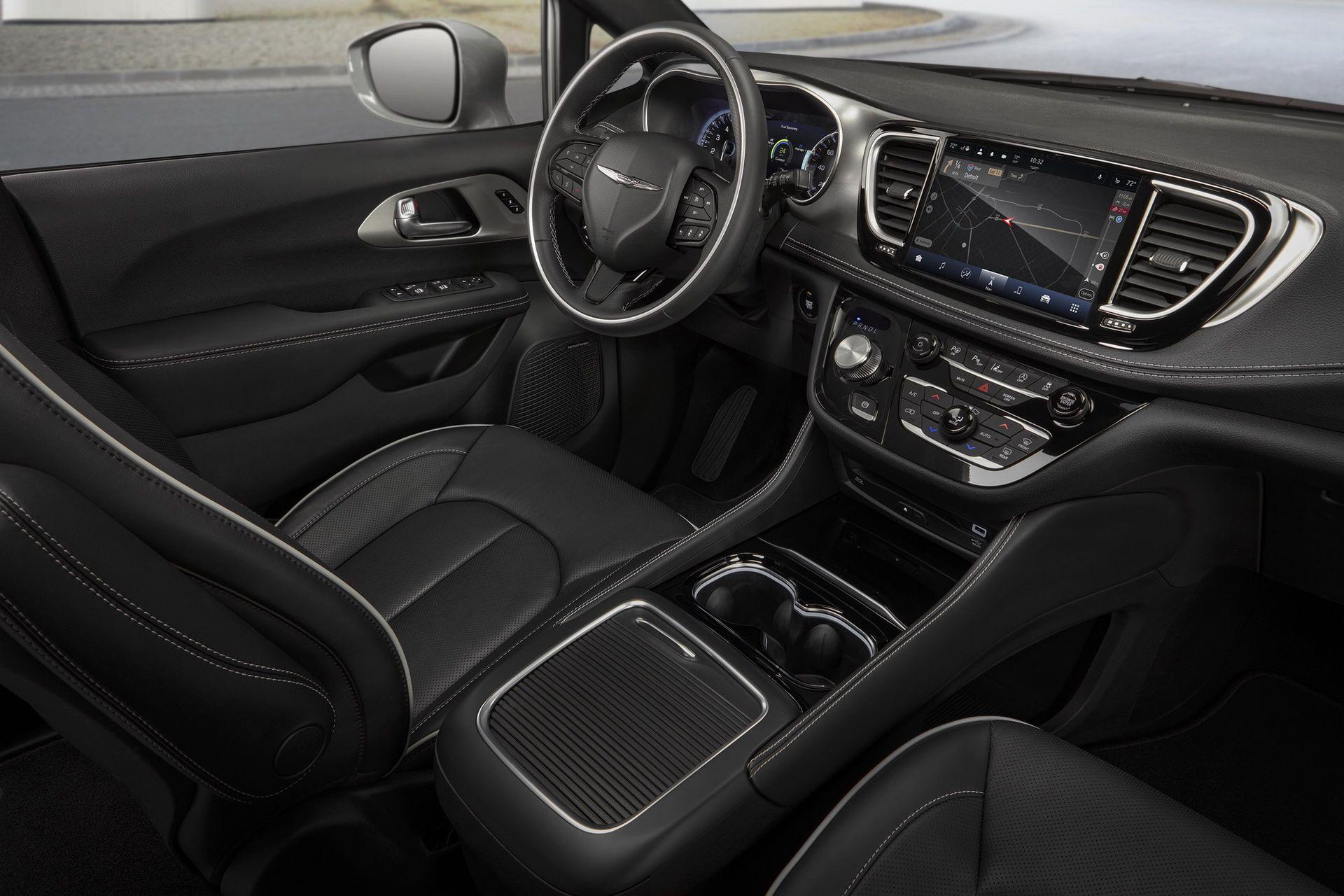 2021-Chrysler-Pacifica-145