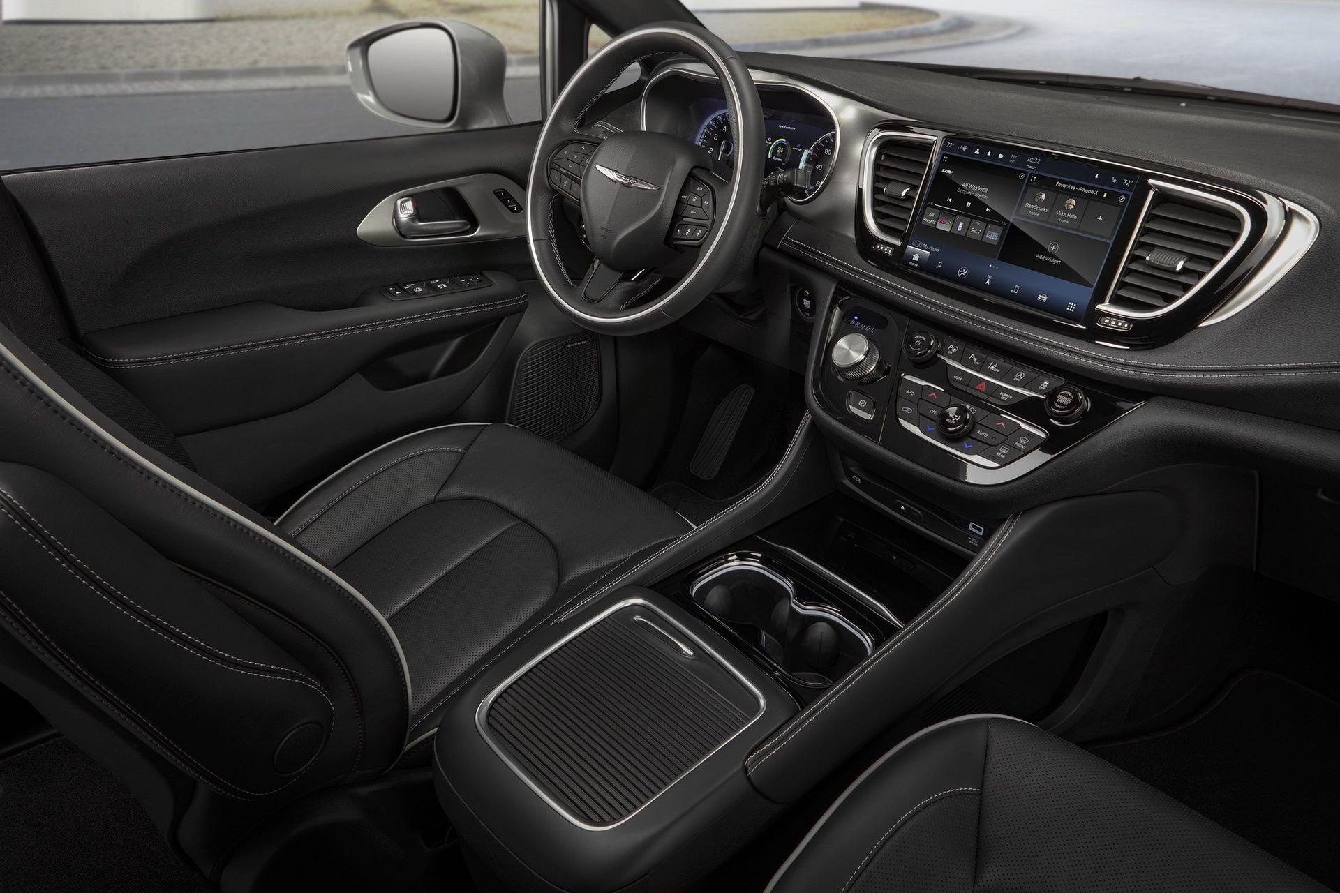 2021-Chrysler-Pacifica-146