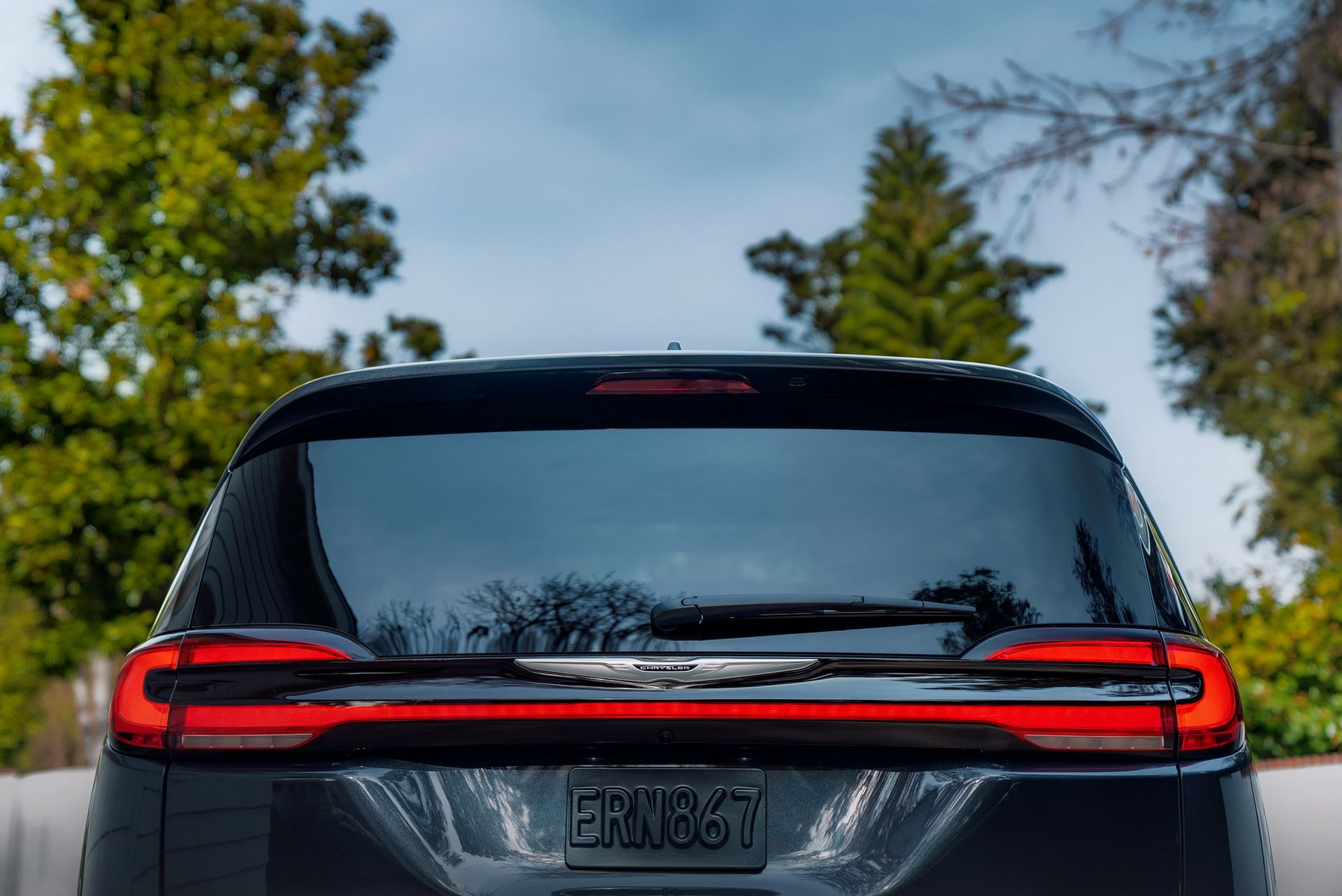2021-Chrysler-Pacifica-28