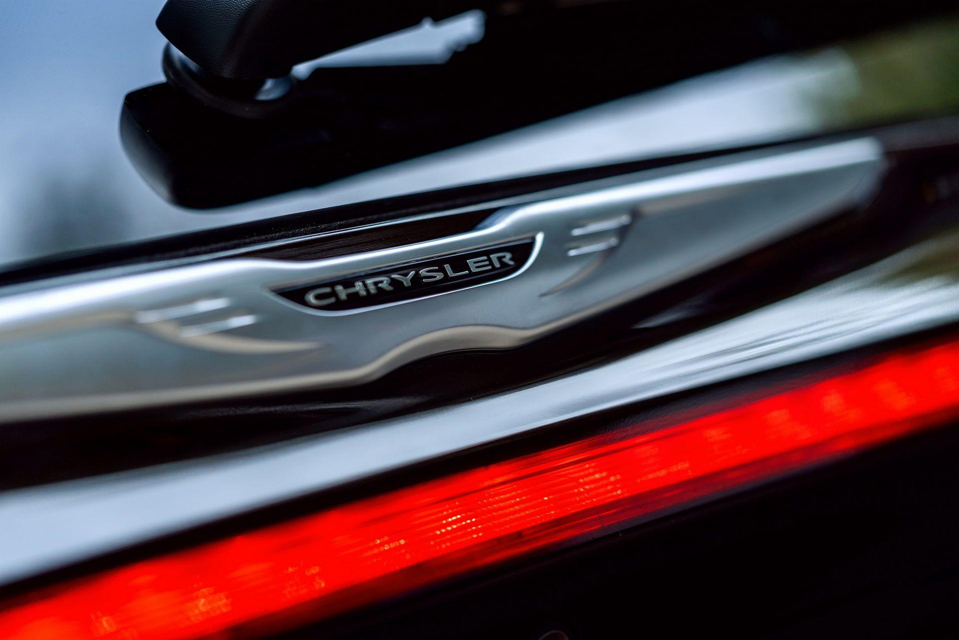 2021-Chrysler-Pacifica-30