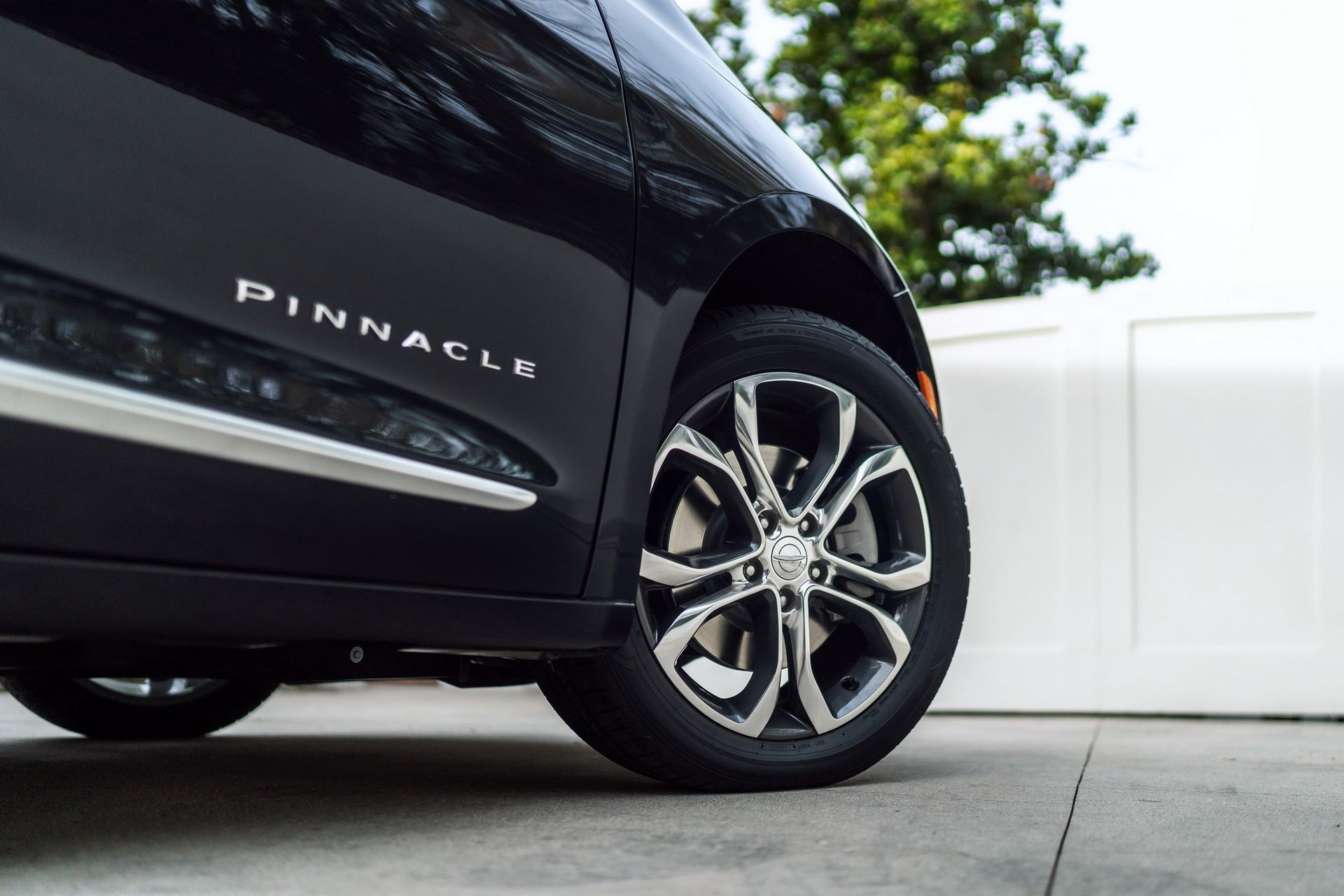 2021-Chrysler-Pacifica-31