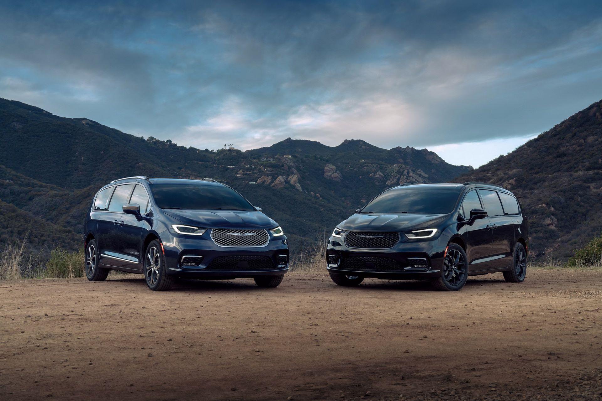 2021-Chrysler-Pacifica-36