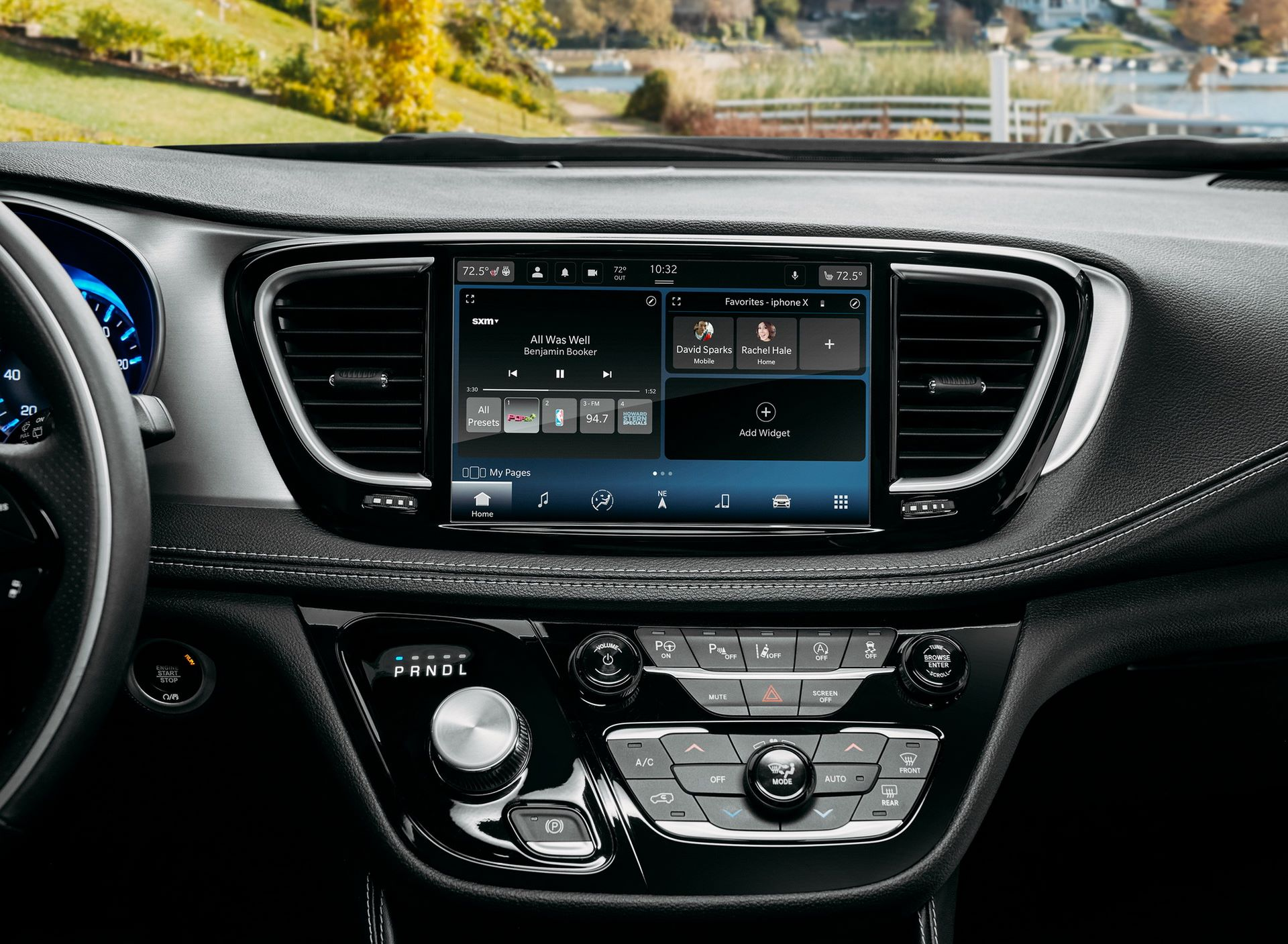 2021-Chrysler-Pacifica-41