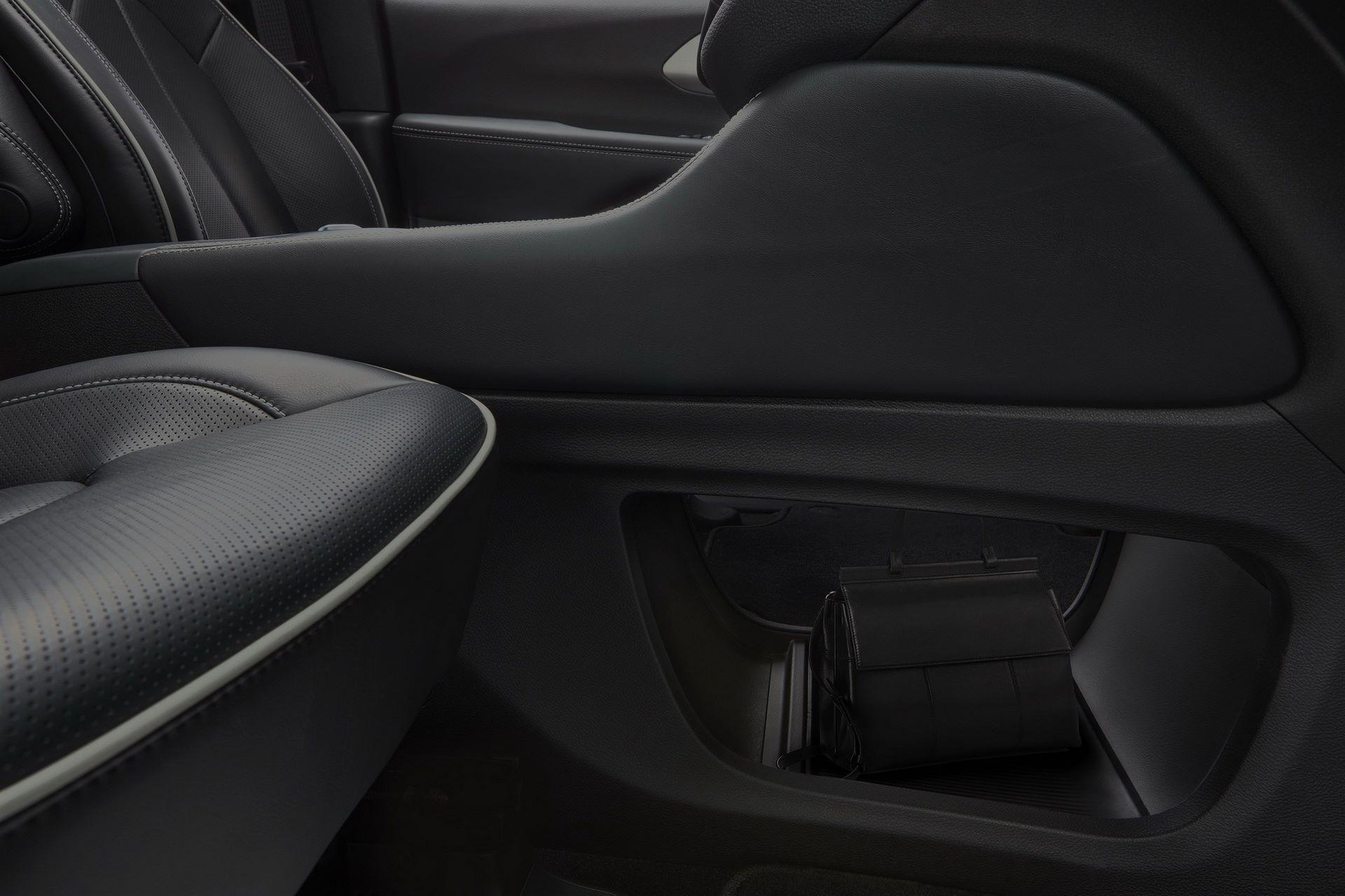2021-Chrysler-Pacifica-55