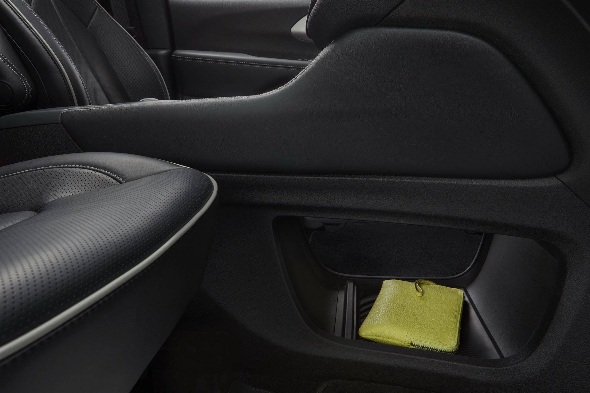 2021-Chrysler-Pacifica-56