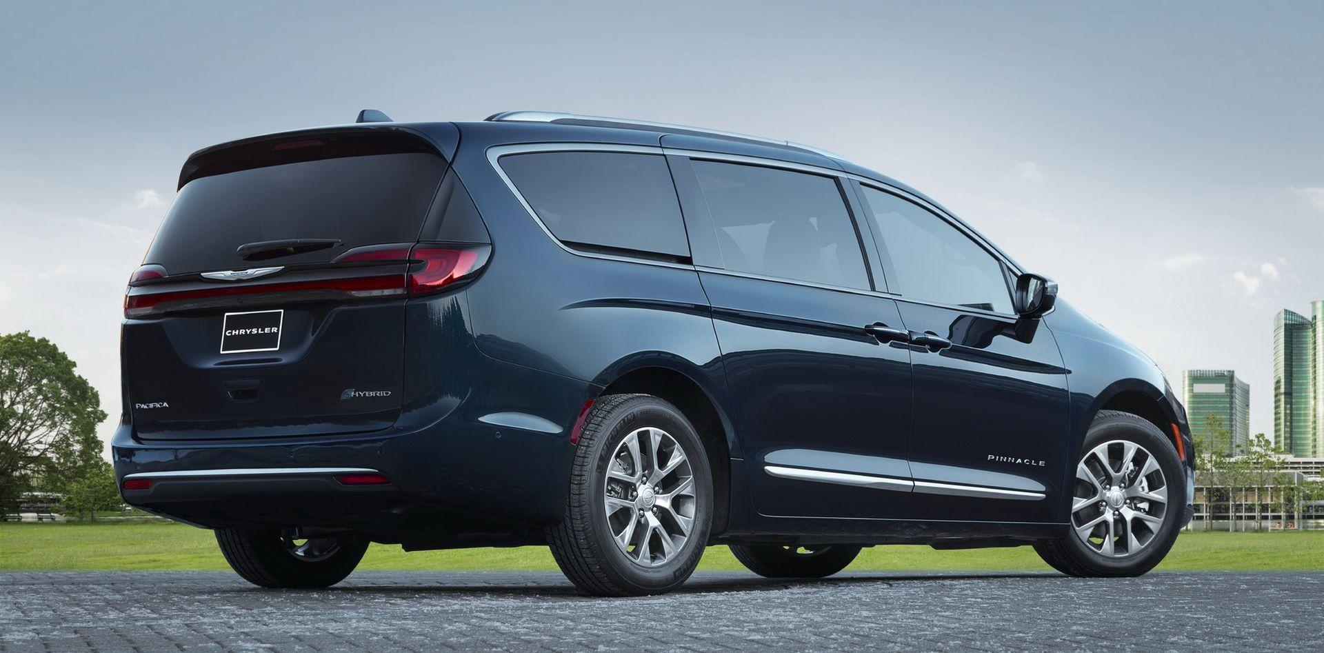 2021-Chrysler-Pacifica-58