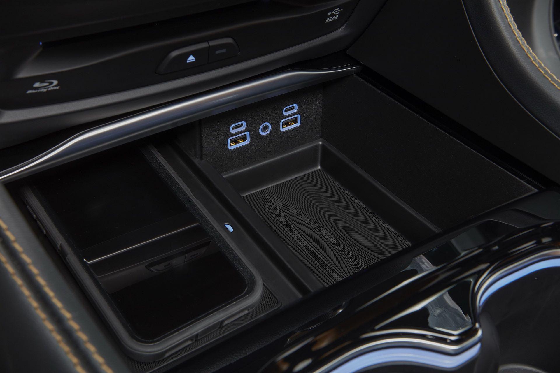2021-Chrysler-Pacifica-66