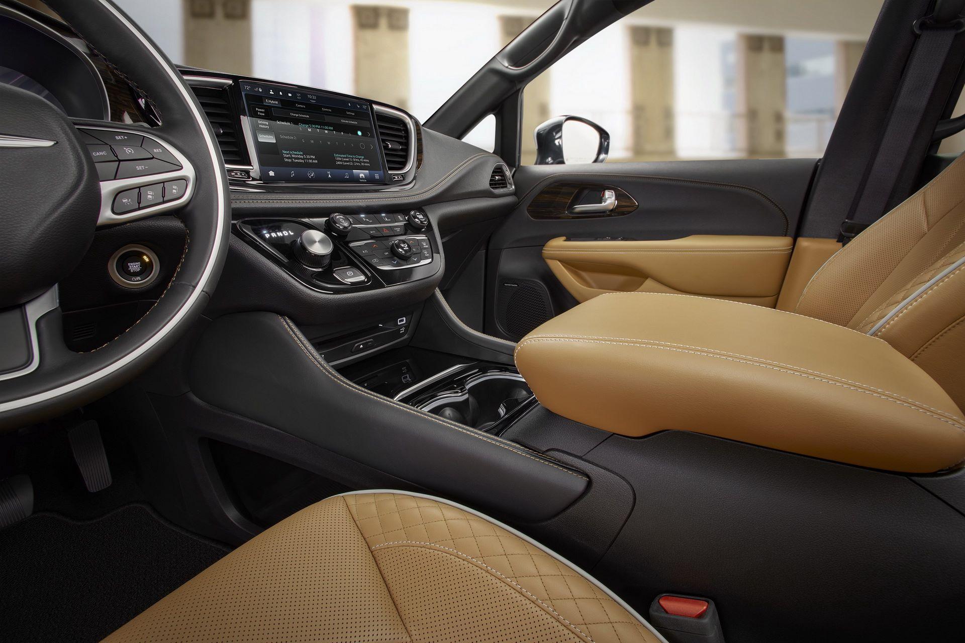 2021-Chrysler-Pacifica-73