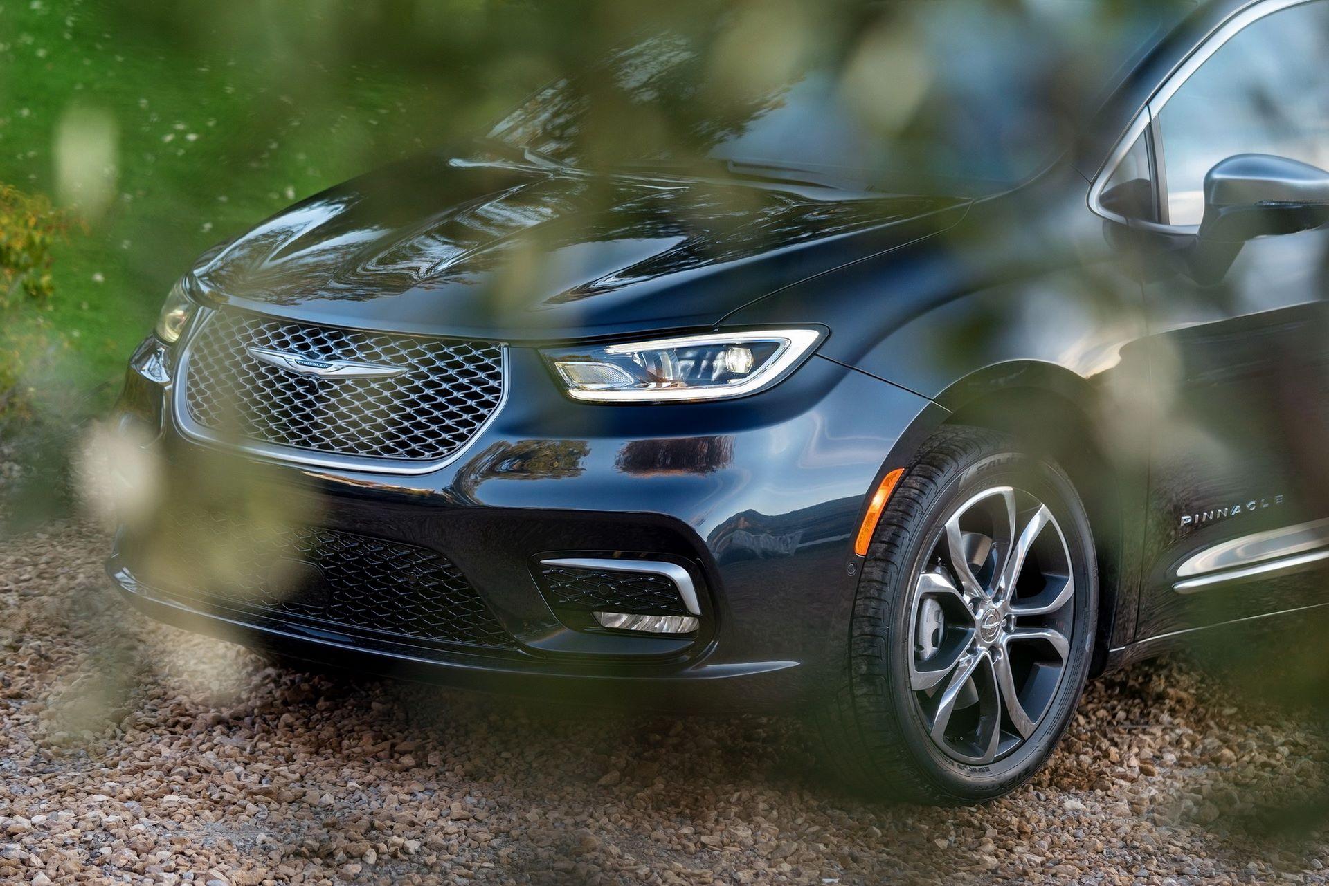 2021-Chrysler-Pacifica-8