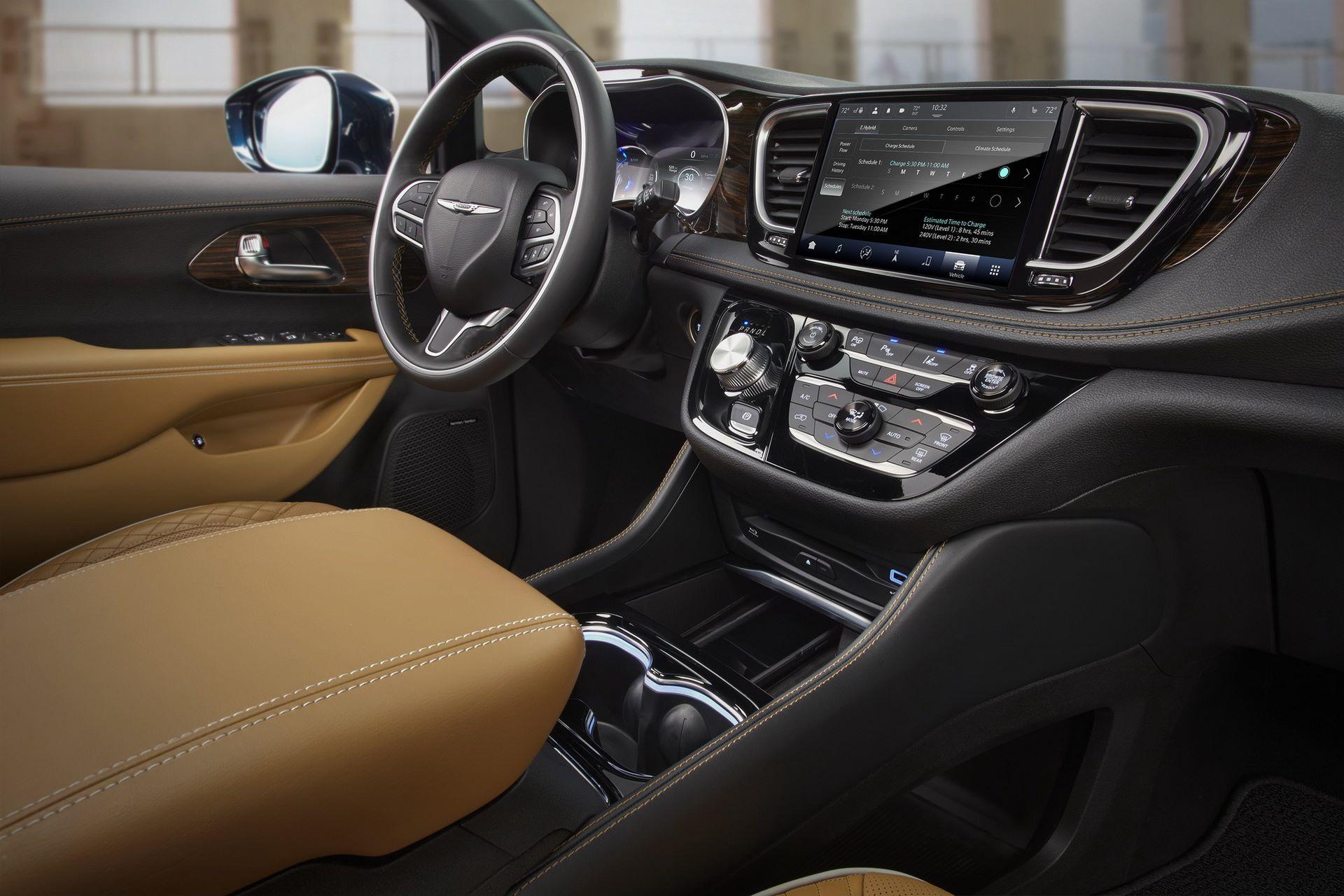 2021-Chrysler-Pacifica-81