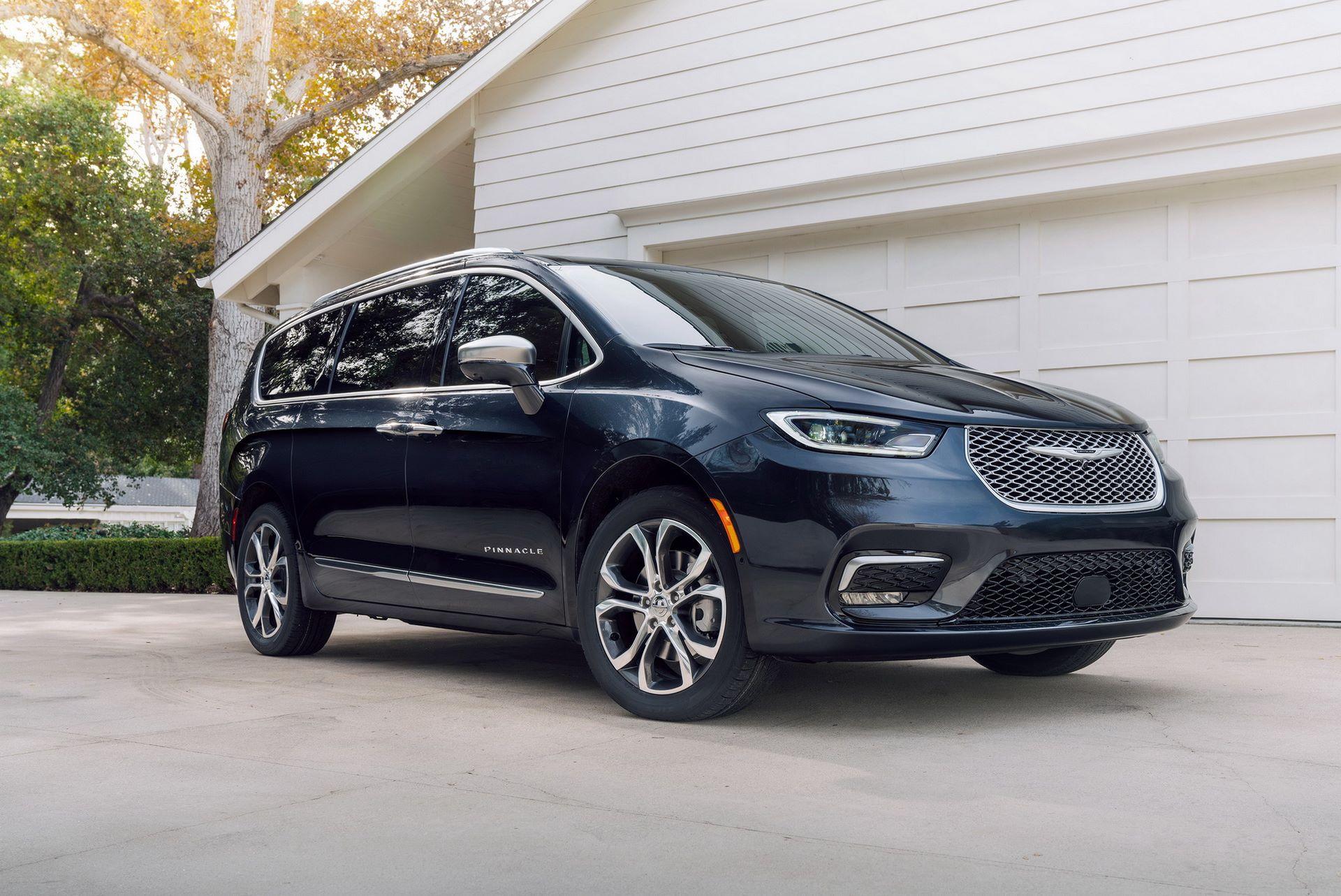 2021-Chrysler-Pacifica-9