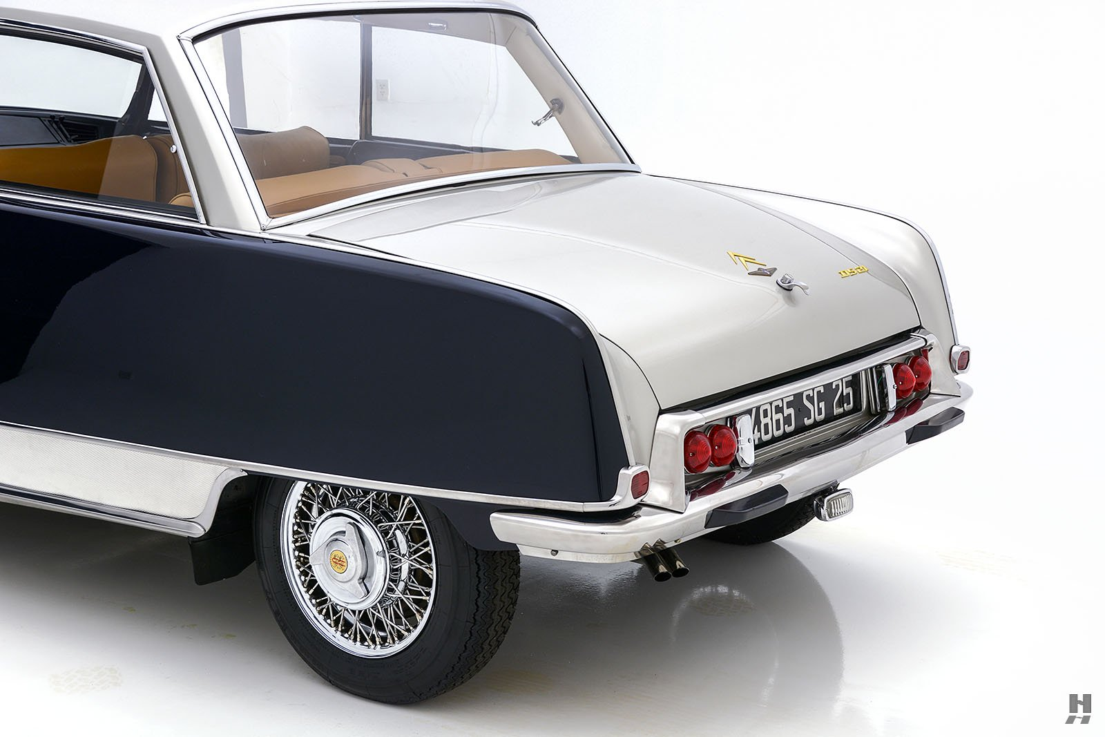 Citroen-DS21-Concorde-coupe-for-sale-27