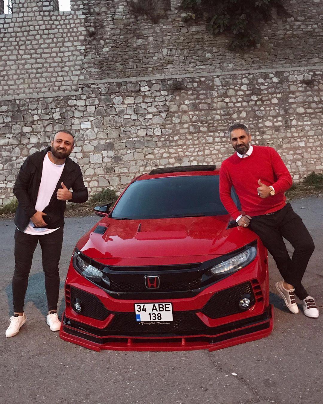 Honda-Civic_Type_R_With_Turkish_Body_Kit-2