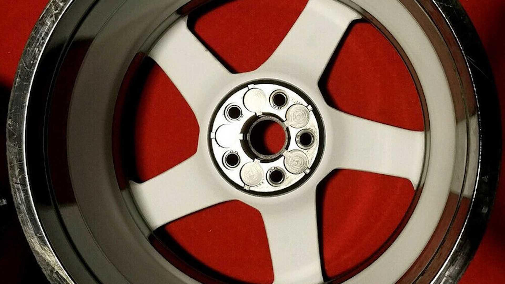 Corvette_C8_Z06_Carbon_Fiber_Wheels_0002
