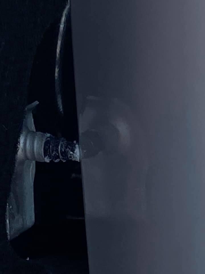 Corvette-screw-paint-2