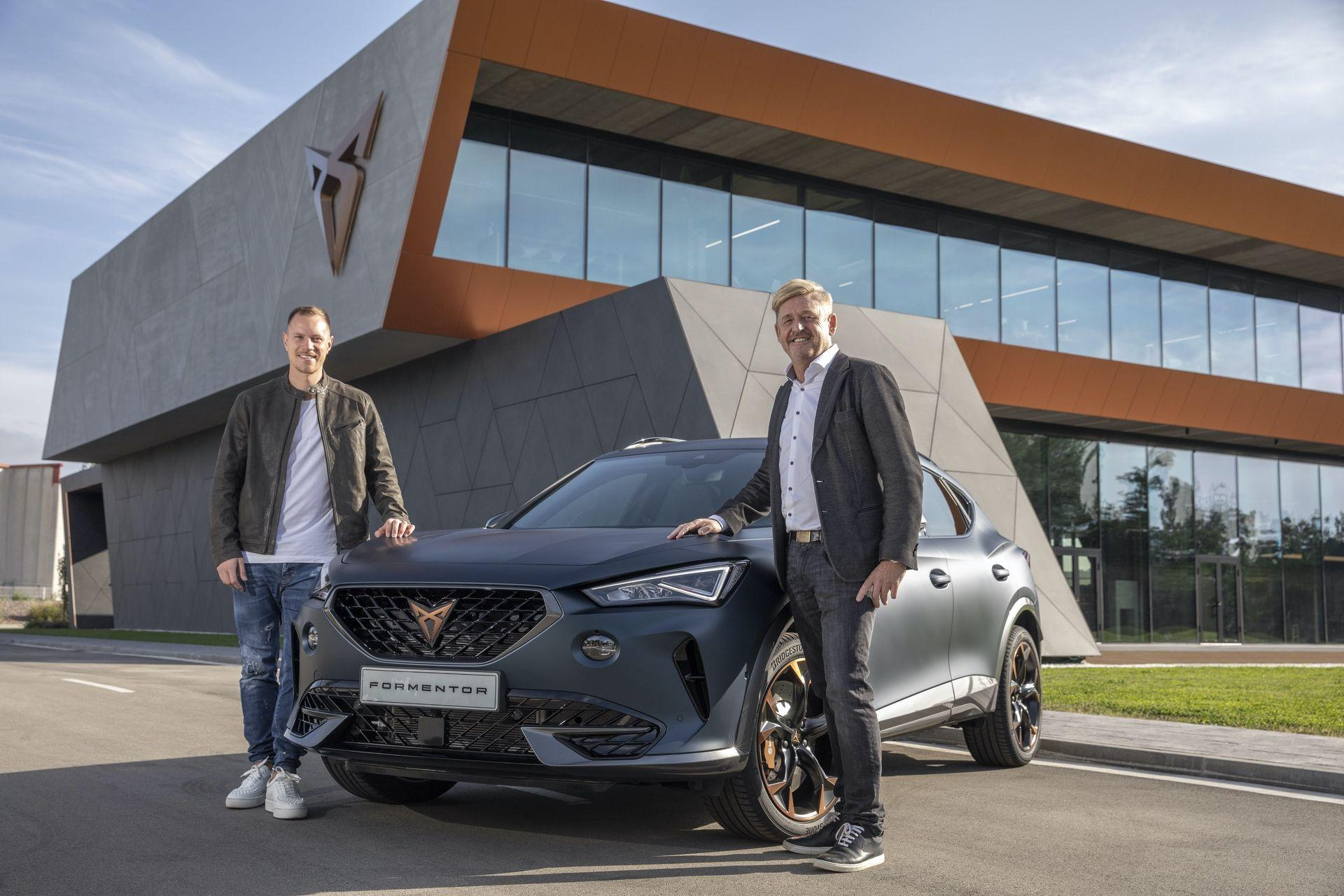 CUPRA-kicks-off-production-of-the-new-Formentor_00_HQ