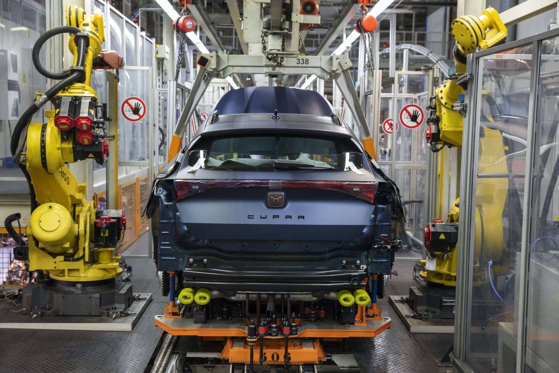 CUPRA-kicks-off-production-of-the-new-Formentor_03_HQ
