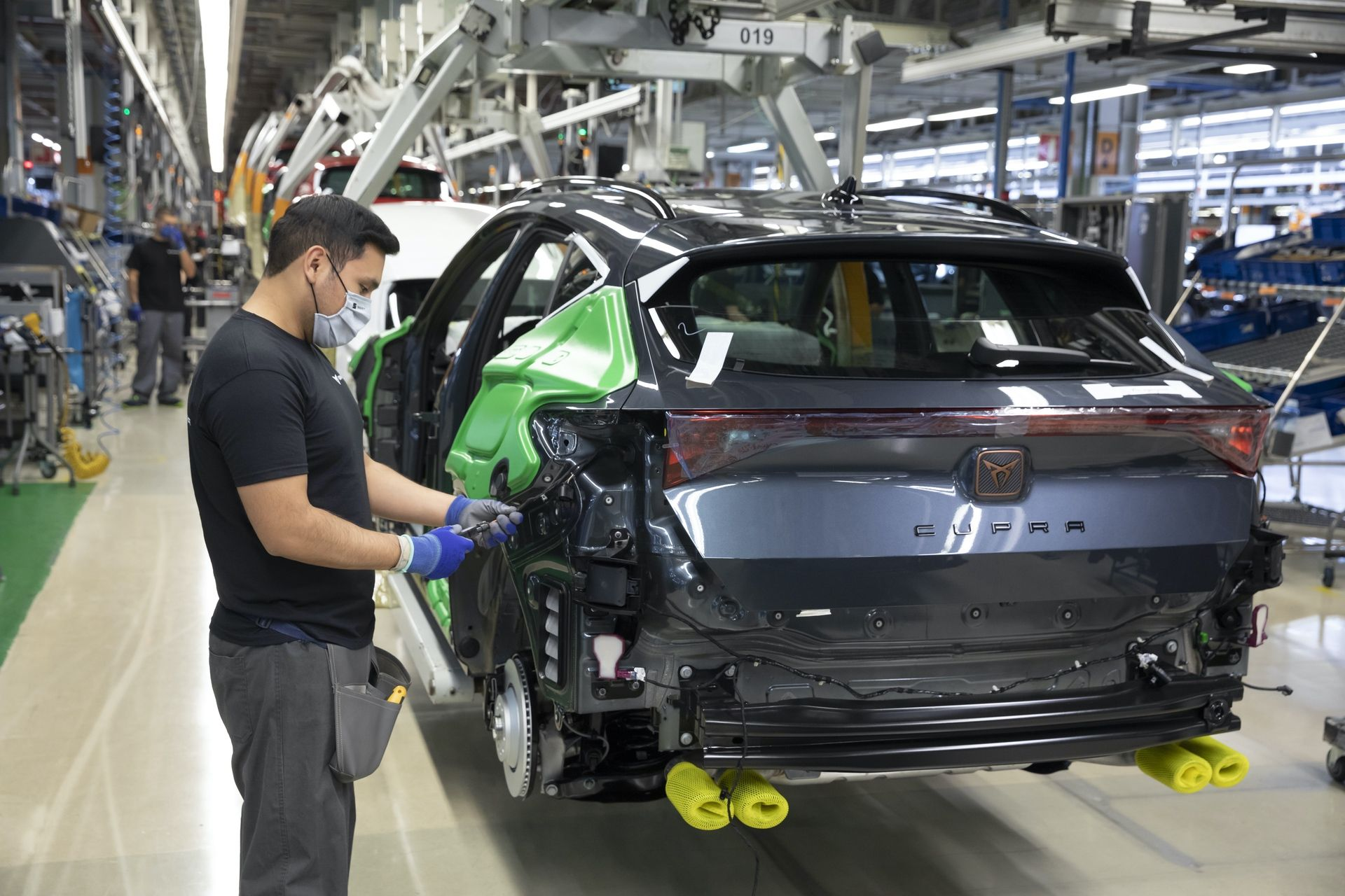 CUPRA-kicks-off-production-of-the-new-Formentor_04_HQ