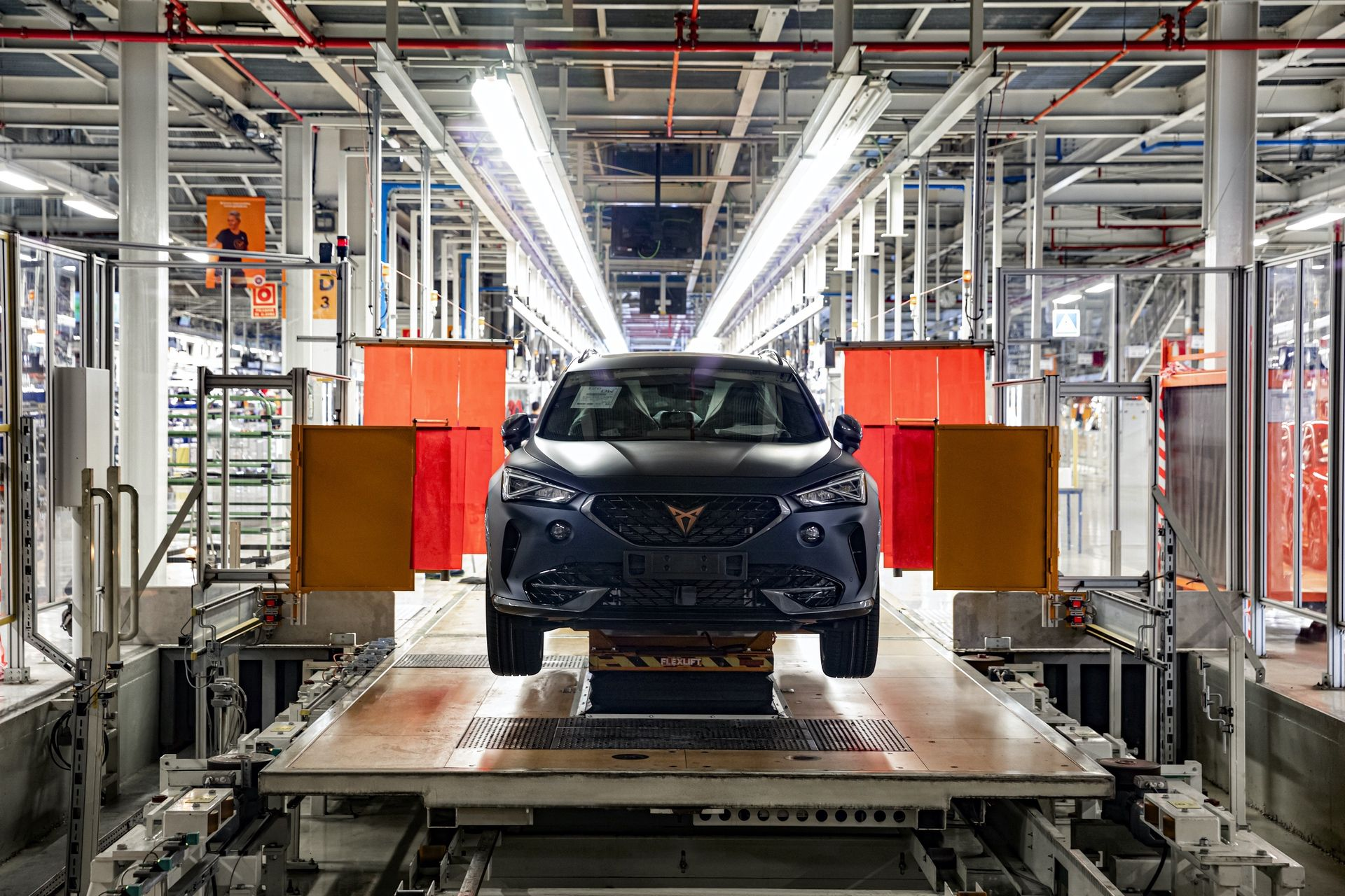 CUPRA-kicks-off-production-of-the-new-Formentor_08_HQ