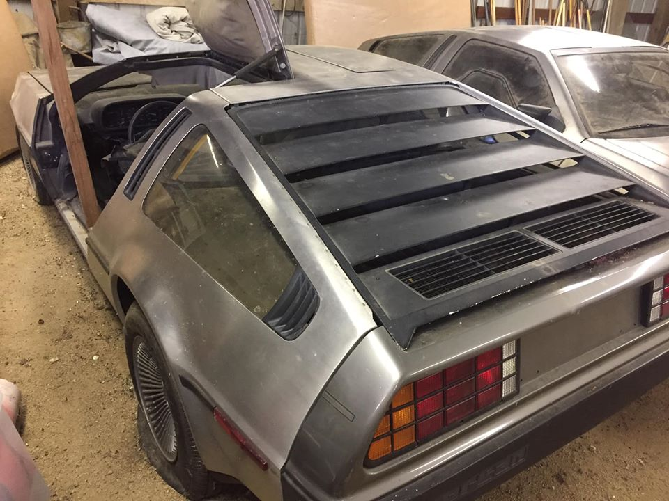 DeLorean_DMC-12_sale_0001