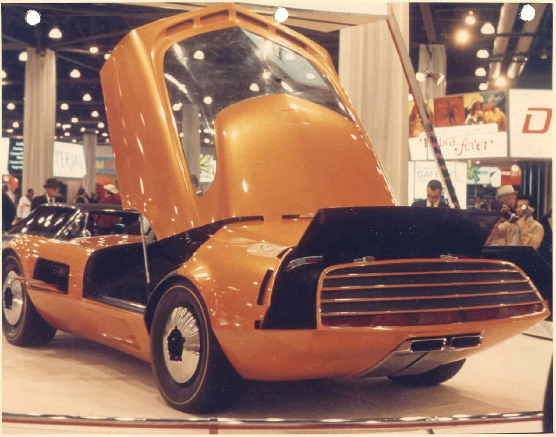Dodge-Charger-III-concept-15