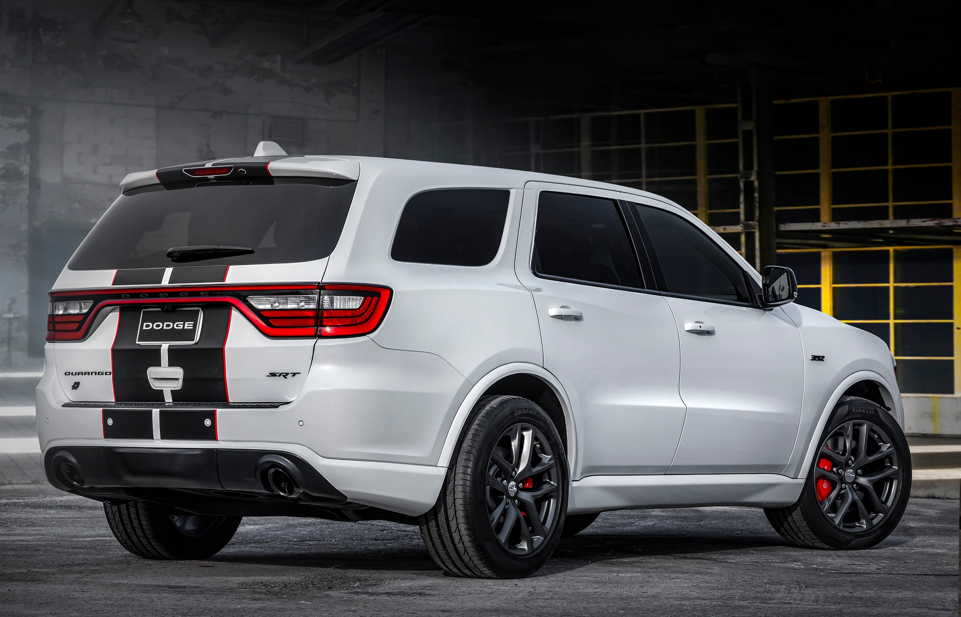 Dodge-Durango-SRT-Black-and-Redline-Stripe-2