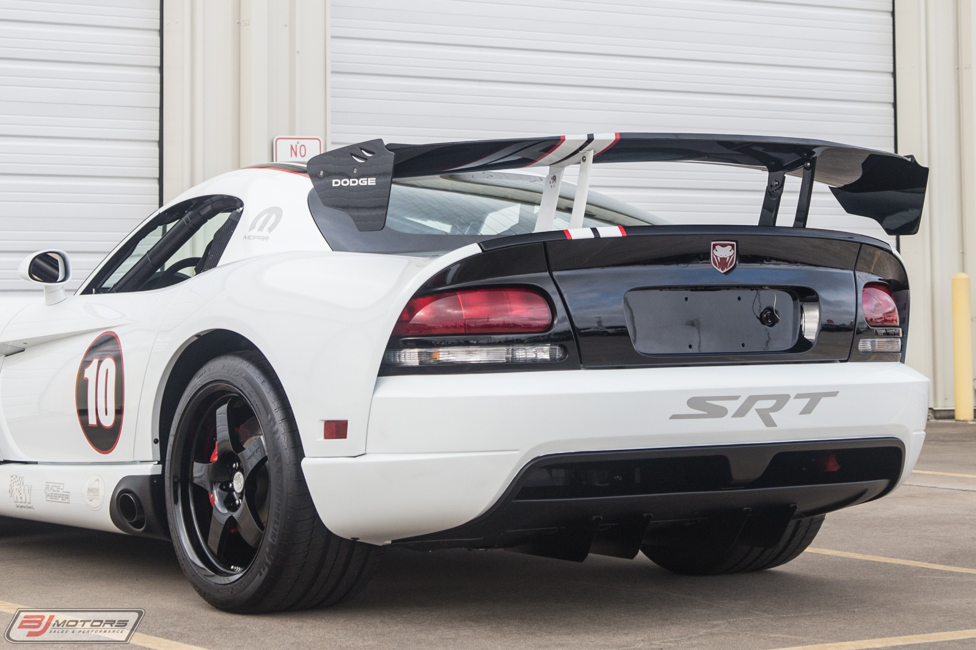 Used-2010-Dodge-Viper-ACR-X-11