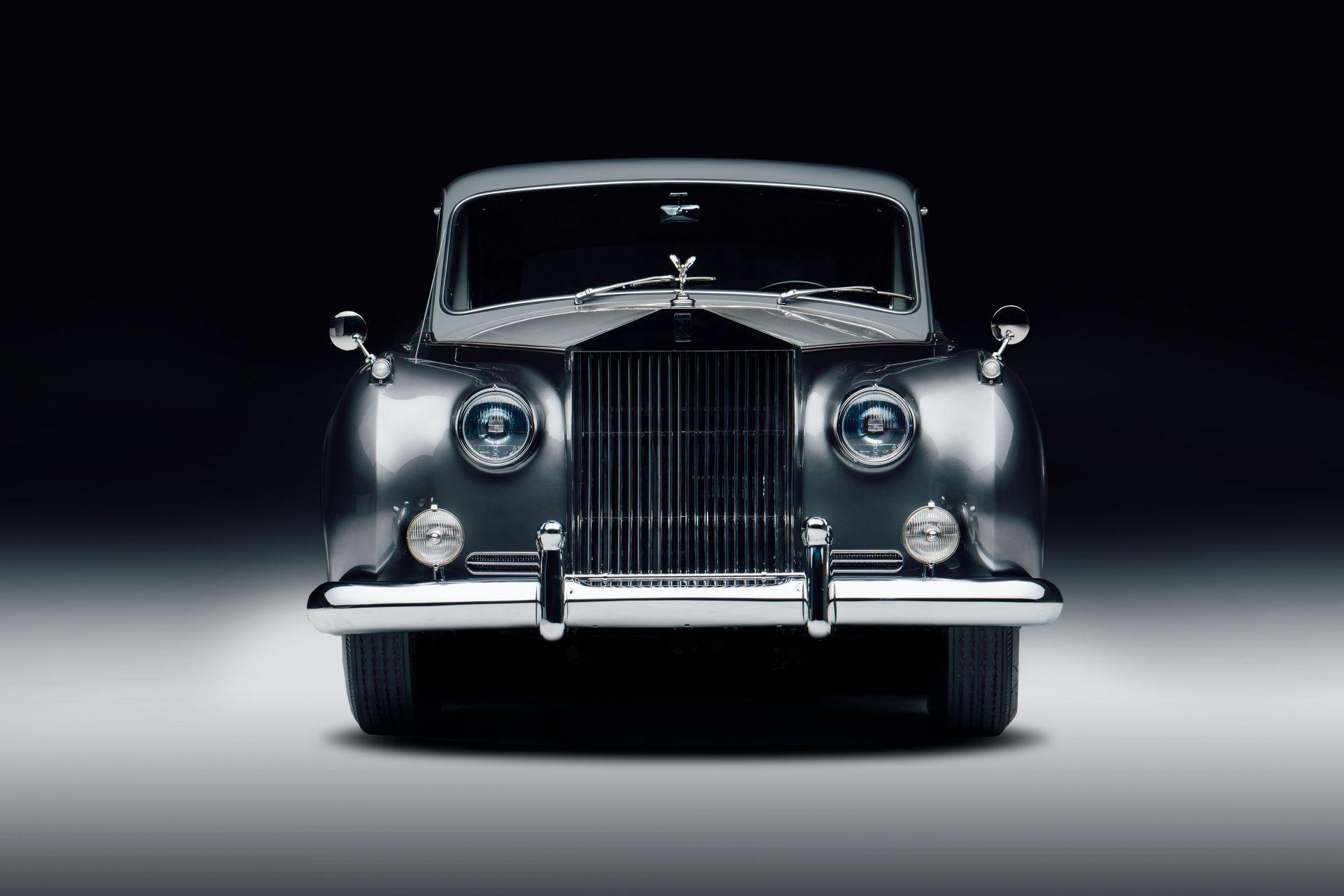 Electris-Rolls-Royce-Phantom-V-and-Silver-Cloud-by-Lunaz-18