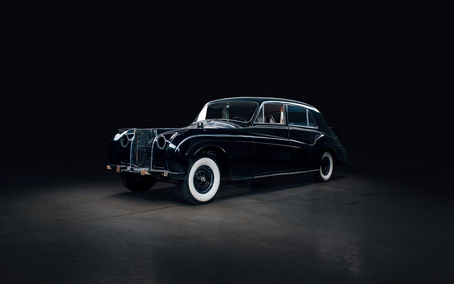 Electris-Rolls-Royce-Phantom-V-and-Silver-Cloud-by-Lunaz-21