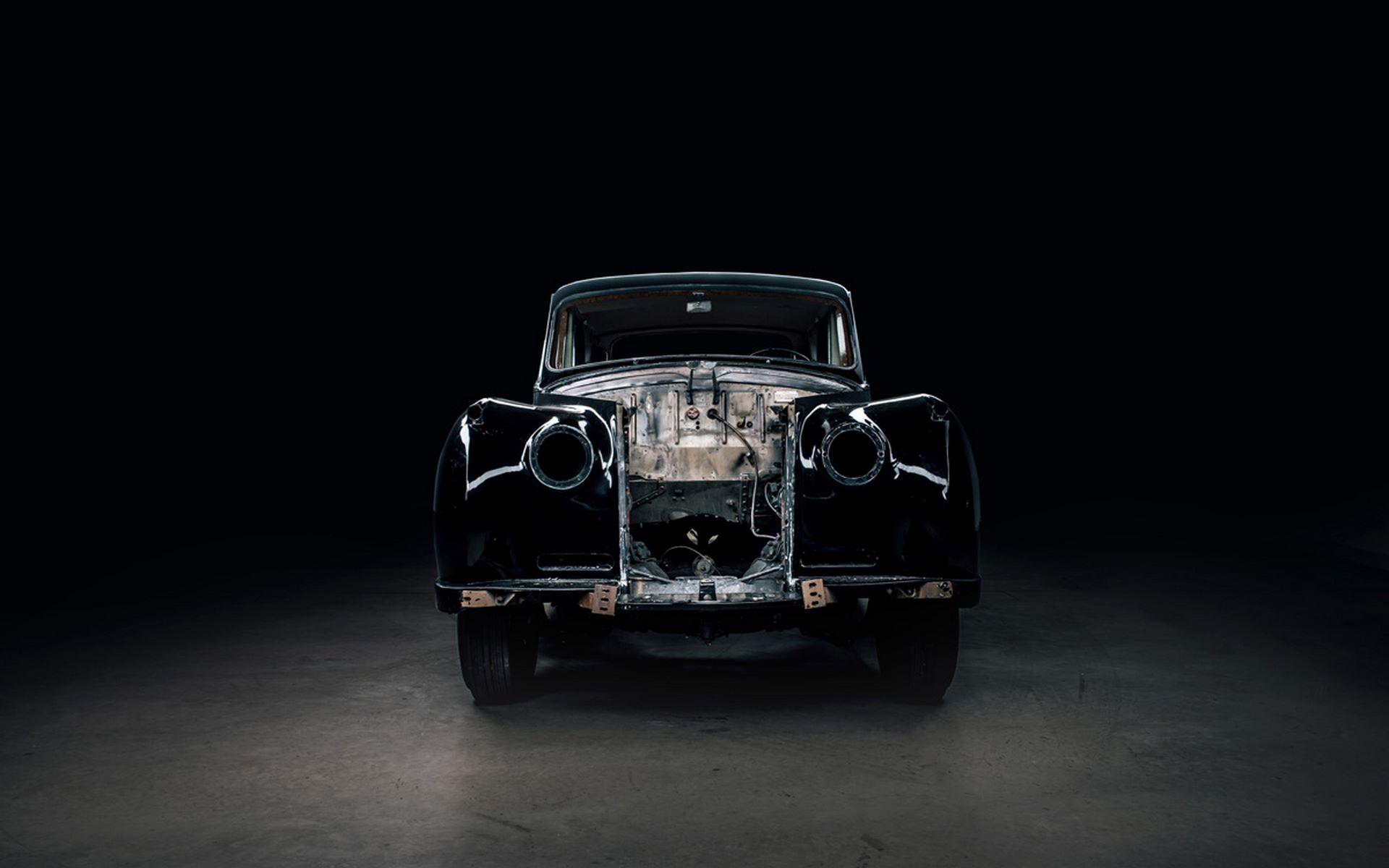 Electris-Rolls-Royce-Phantom-V-and-Silver-Cloud-by-Lunaz-23